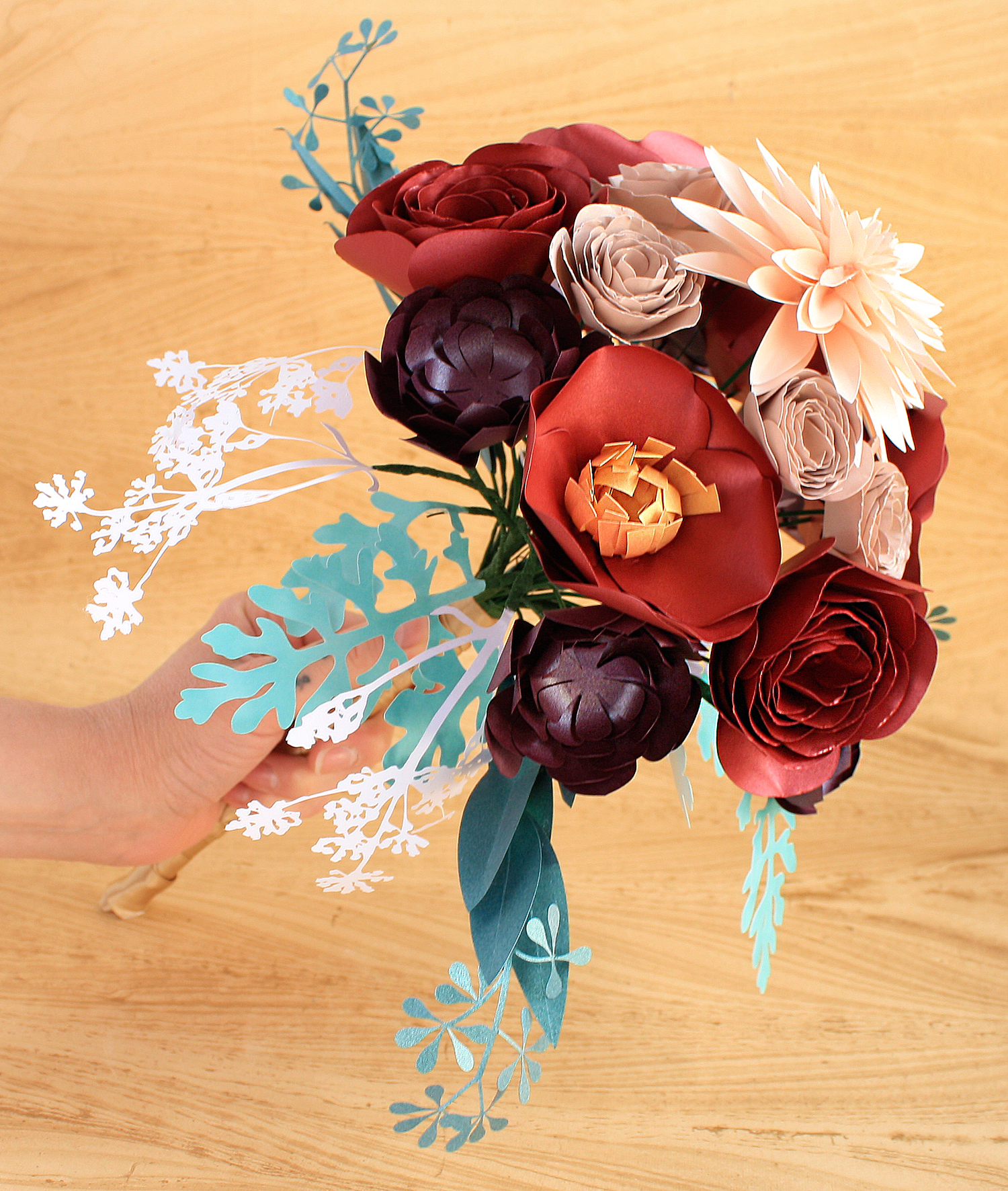 large-bouquet-in-hand-front-view.jpg
