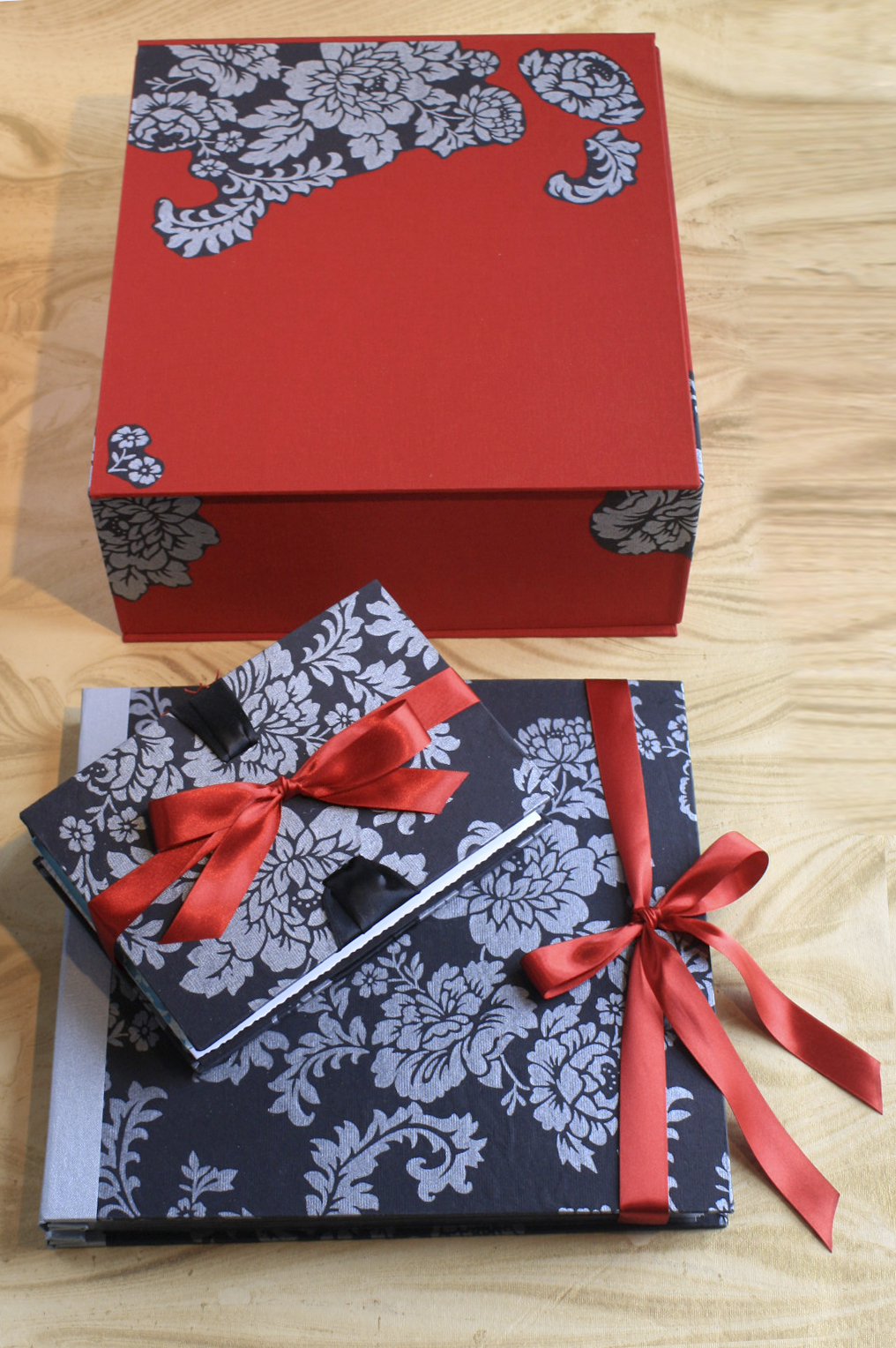 Kari Jo Wedding Books & Clamshell Box-025.jpg
