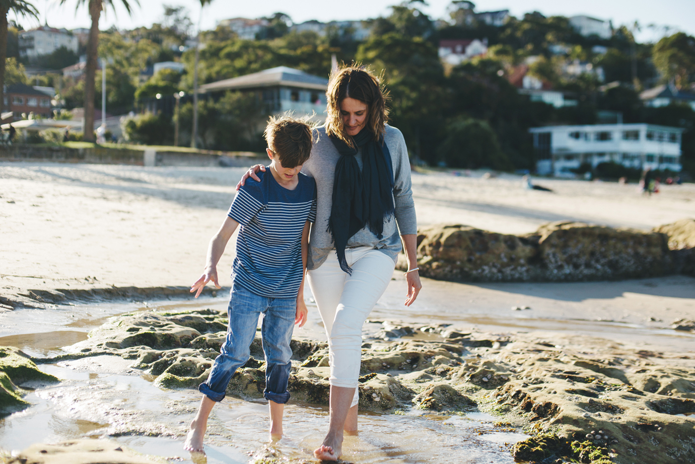 Motherhood portraits in Sydney. Sydney Lifestyle photographer. Family photos in Sydney. Mummy and Me sessions in Sydney. Beach Portraits in Northern Beaches