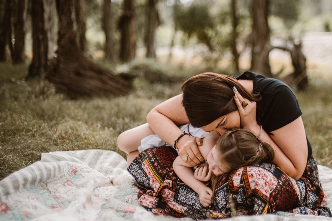 sydney-family-photographer-in-the-hills