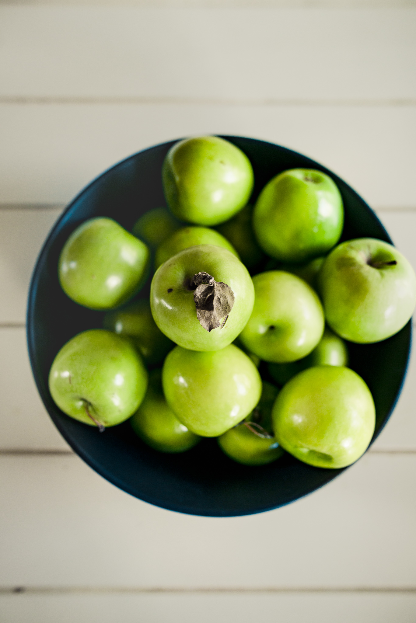lifestyle-food-photographer-sydney-granny-smith-apples