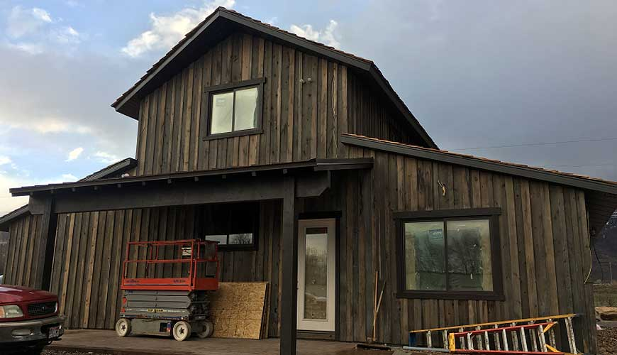 Staining-and-Siding.jpg