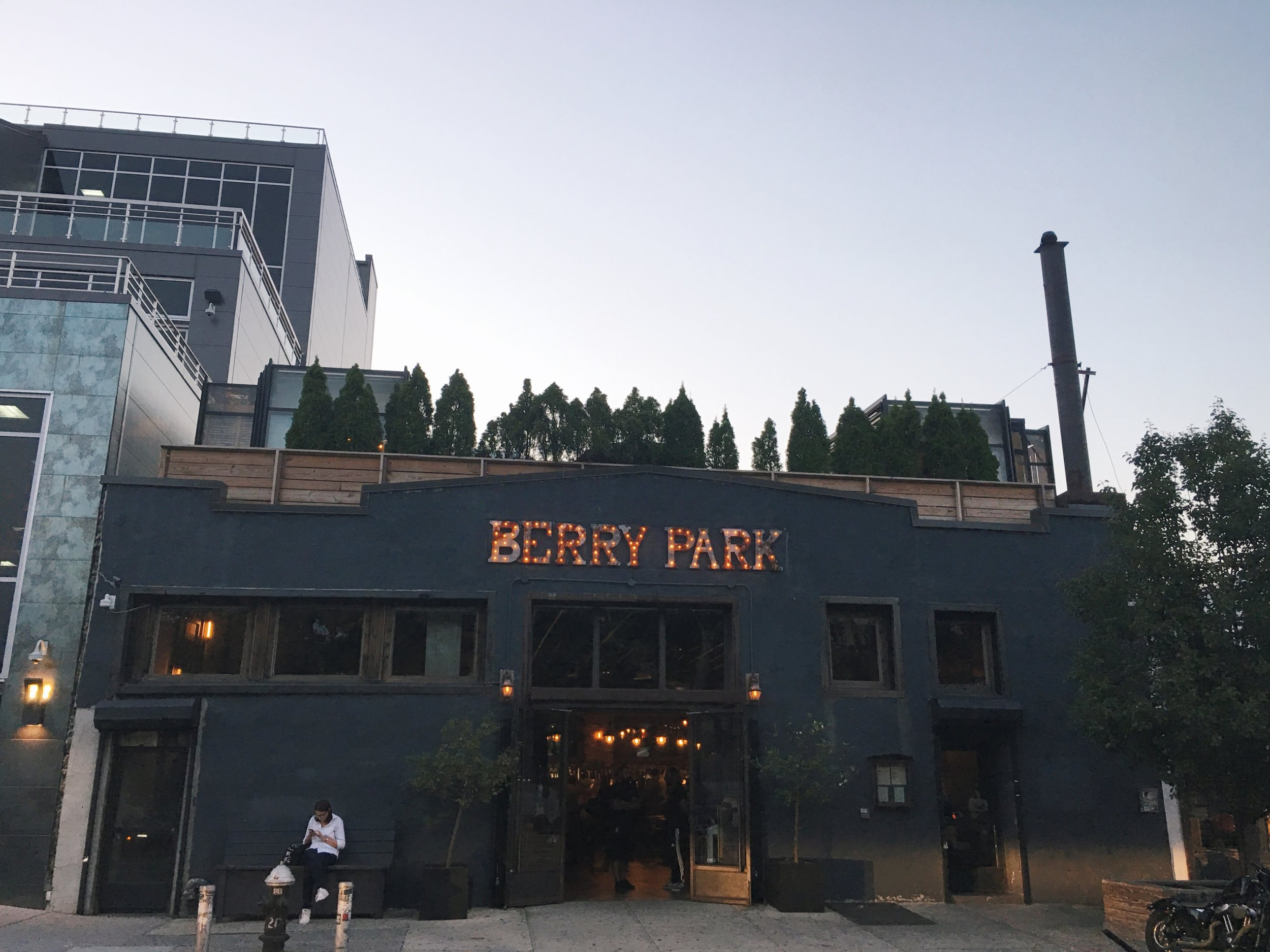 berry-park-williamsburg-brooklyn