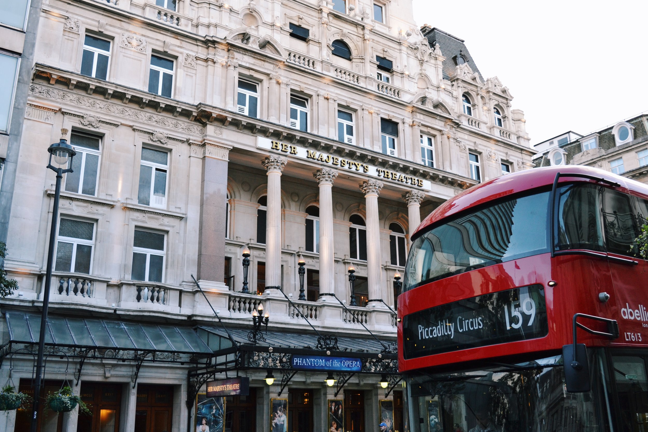 red-bus-londoncity