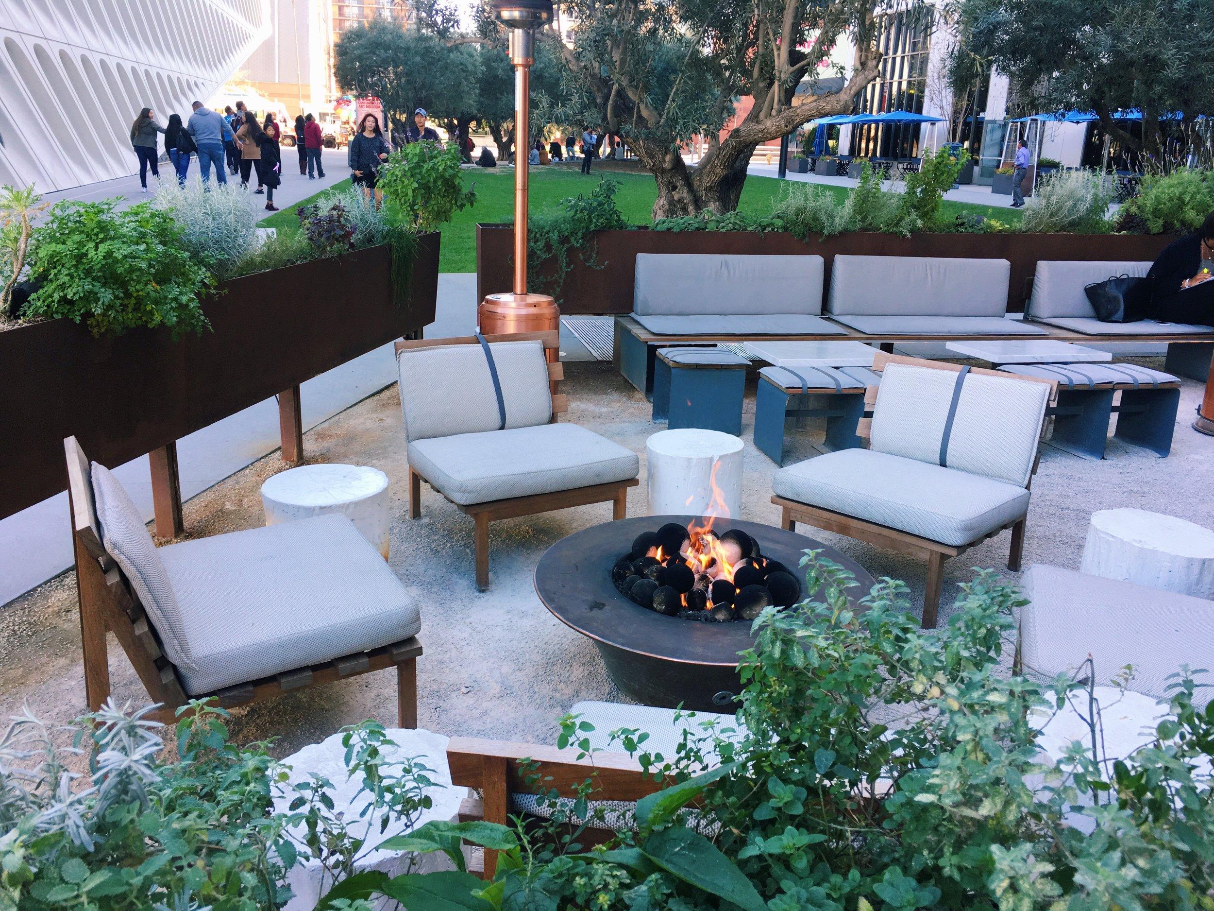 outside-seating-otium-dtla