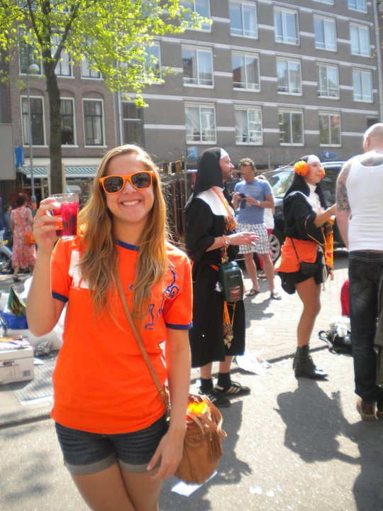cheers-on-queen's-day-amsterdam