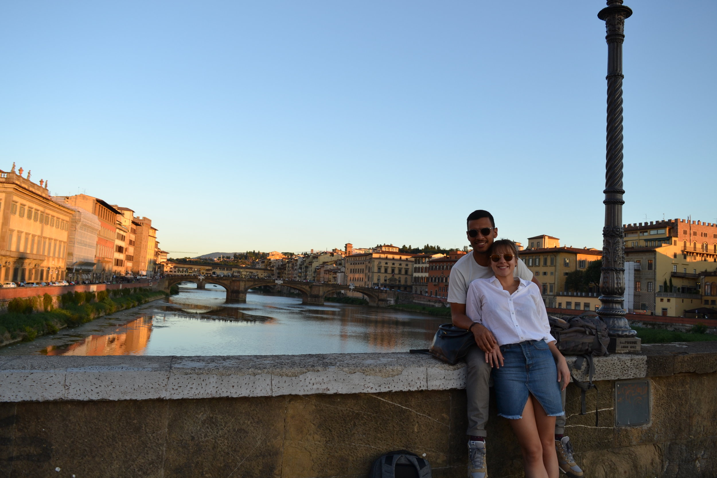 ponte-vechio-on-background-florence