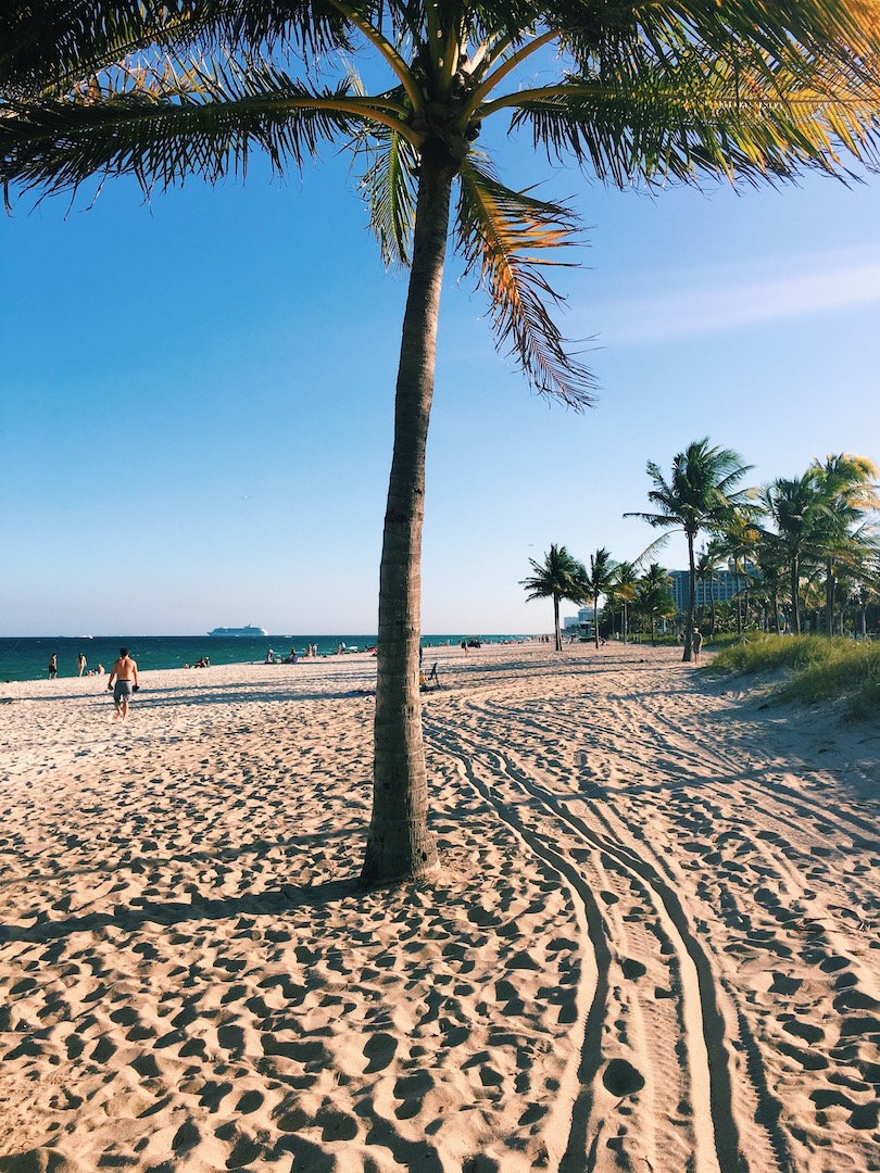 packing-guide-to-beach-destination