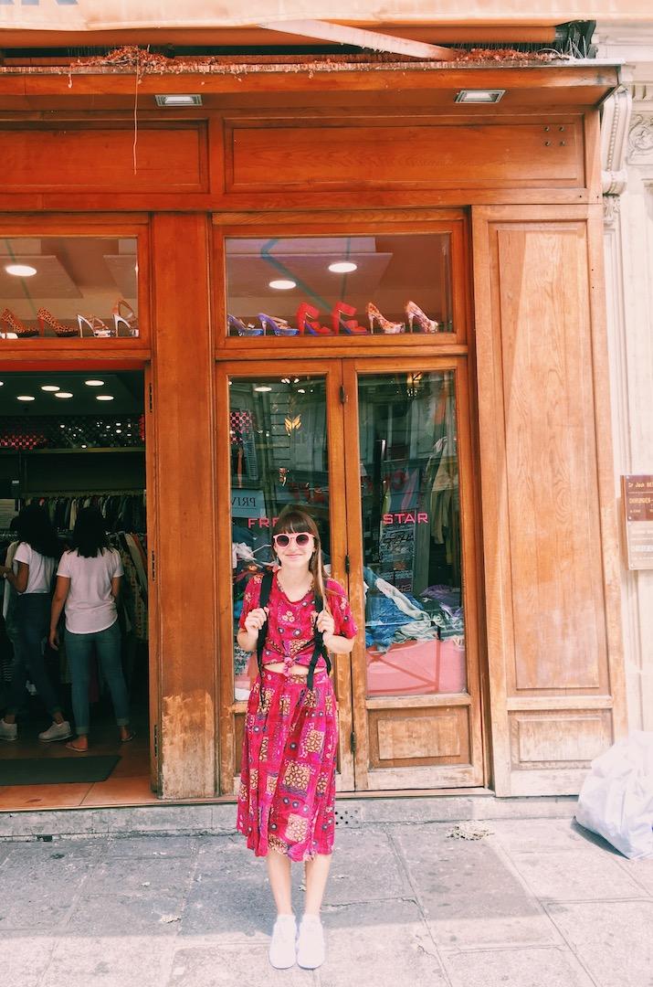 vintange-shopping-in-le-marais-paris.JPG