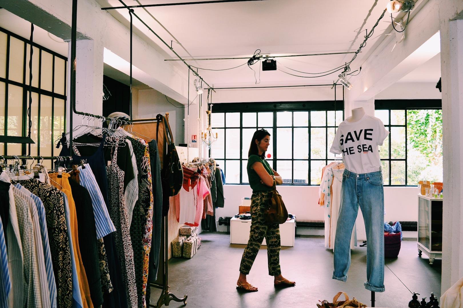 clothing-merci-paris.JPG