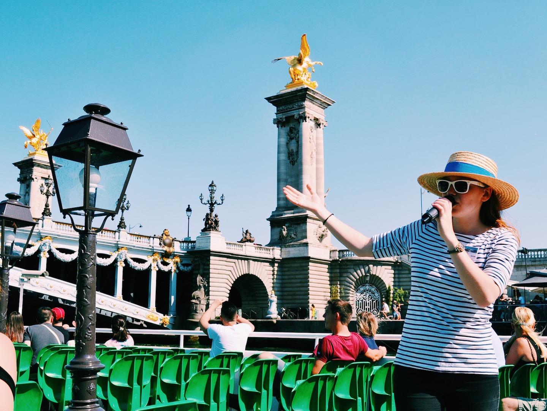 tour-guide-vedettes-du-pont-neuf-paris.JPG