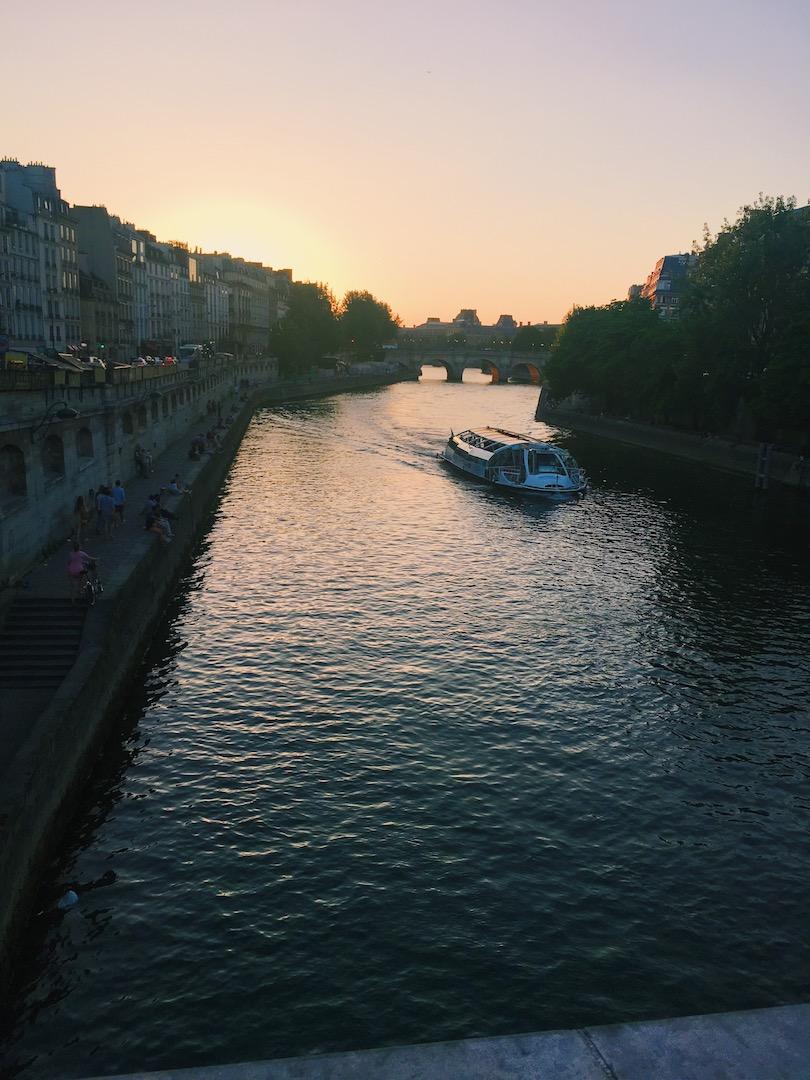 sunsets-in-paris-france.JPG