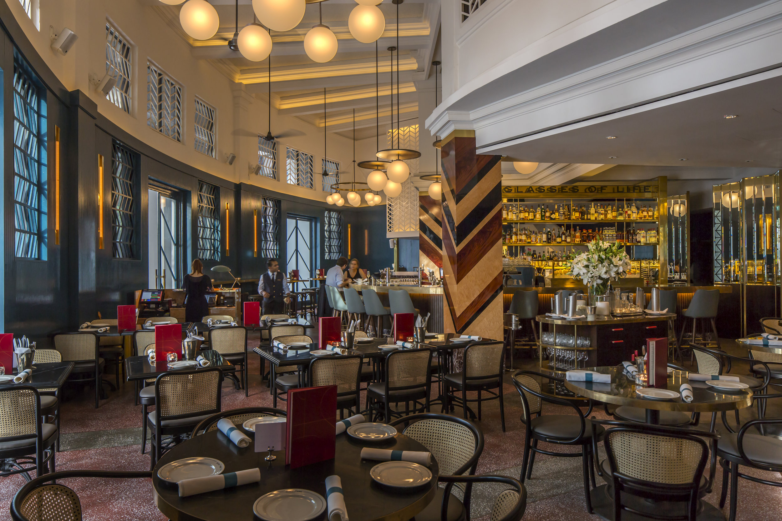 Restaurant Dining Seated: 63  |  Standing: 100