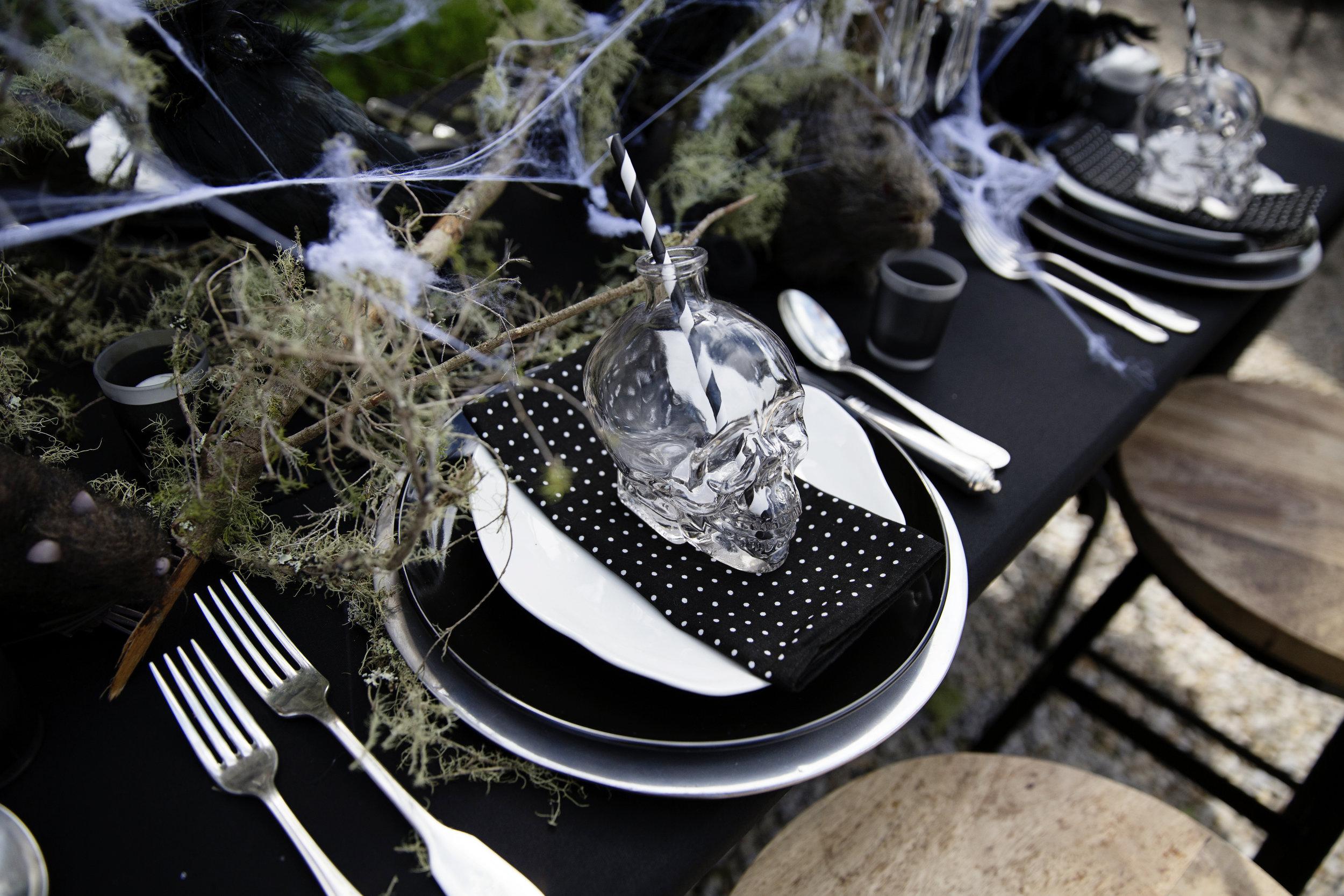 Halloween Table 019.JPG