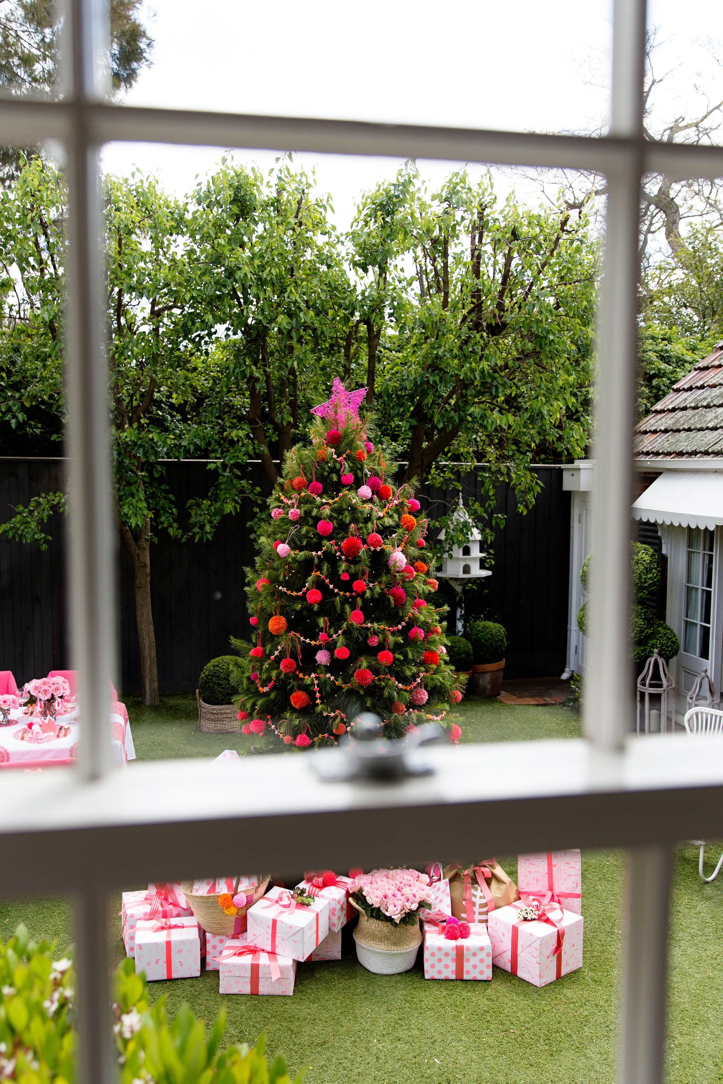 Pom Pom Tree 001.jpg