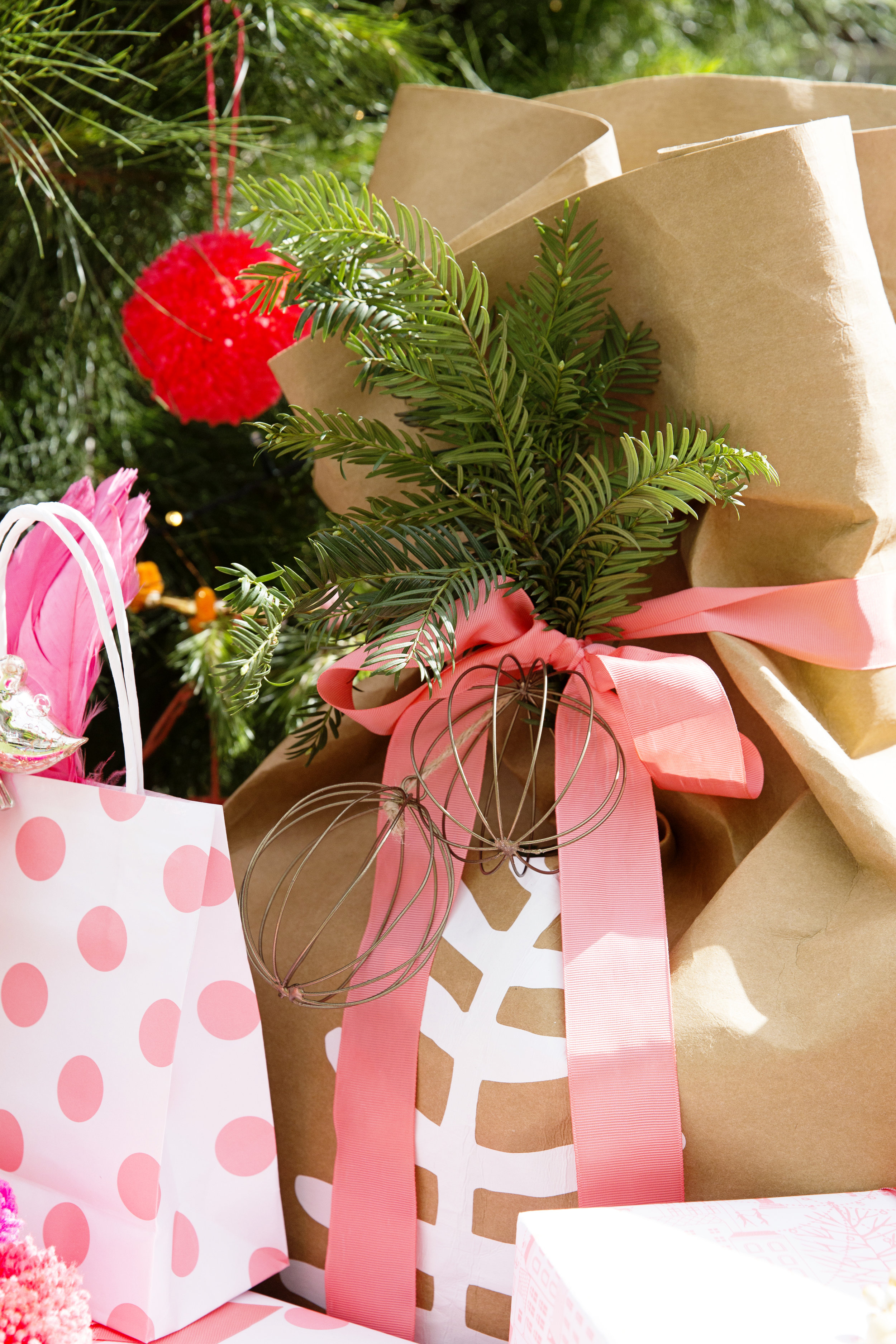 Gift Wrapping 059.JPG
