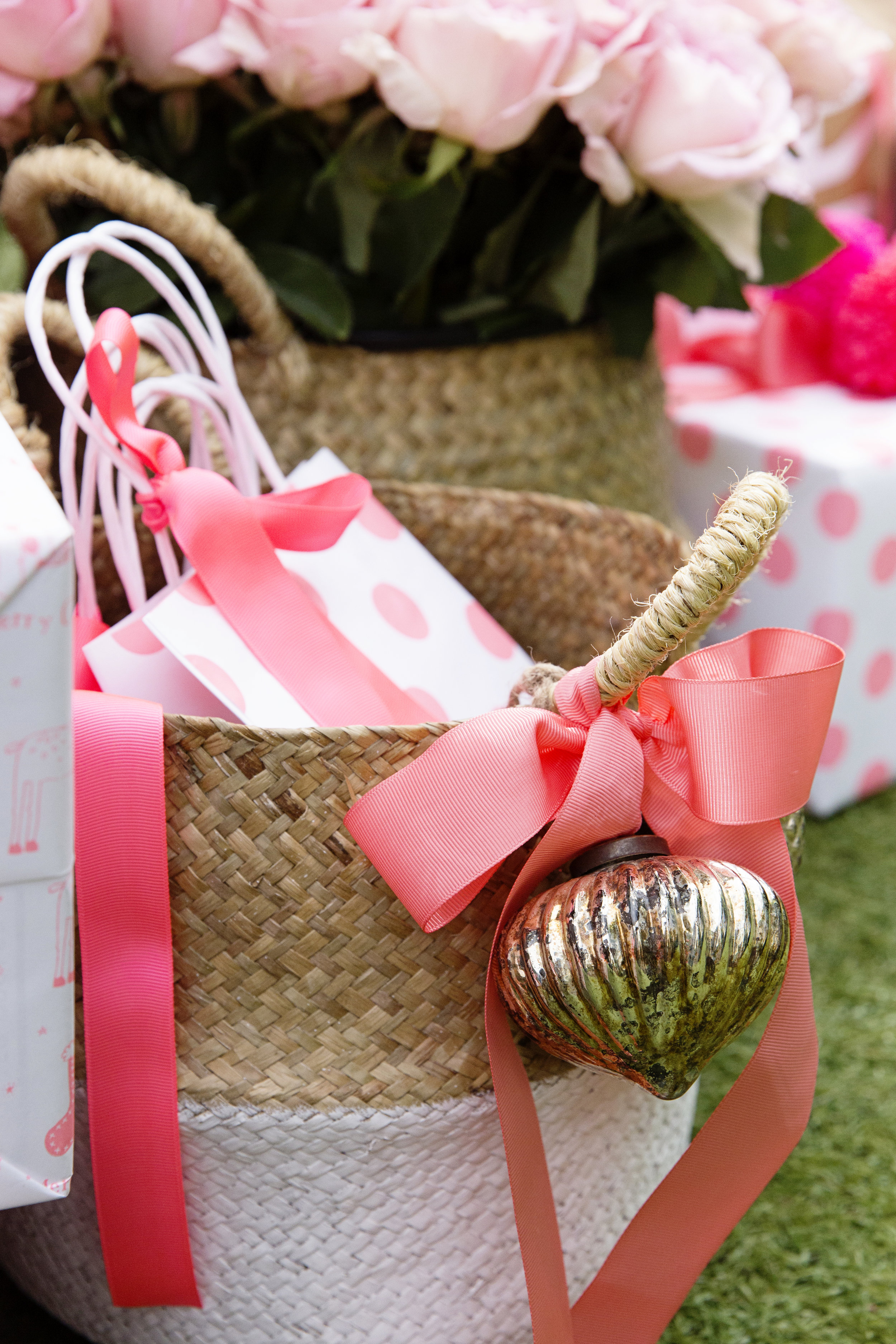 Gift Wrapping 063.JPG