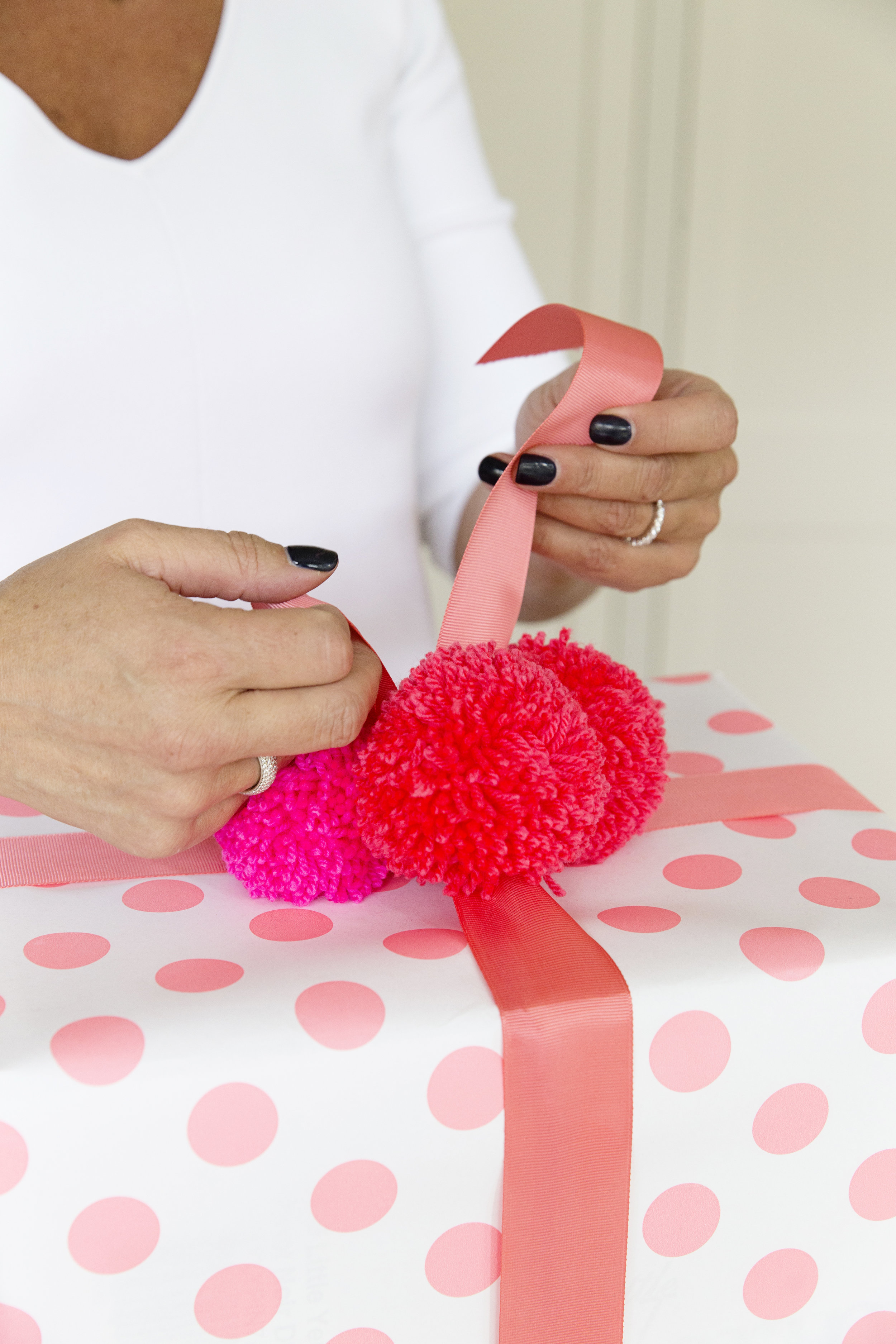 Gift Wrapping 034.JPG