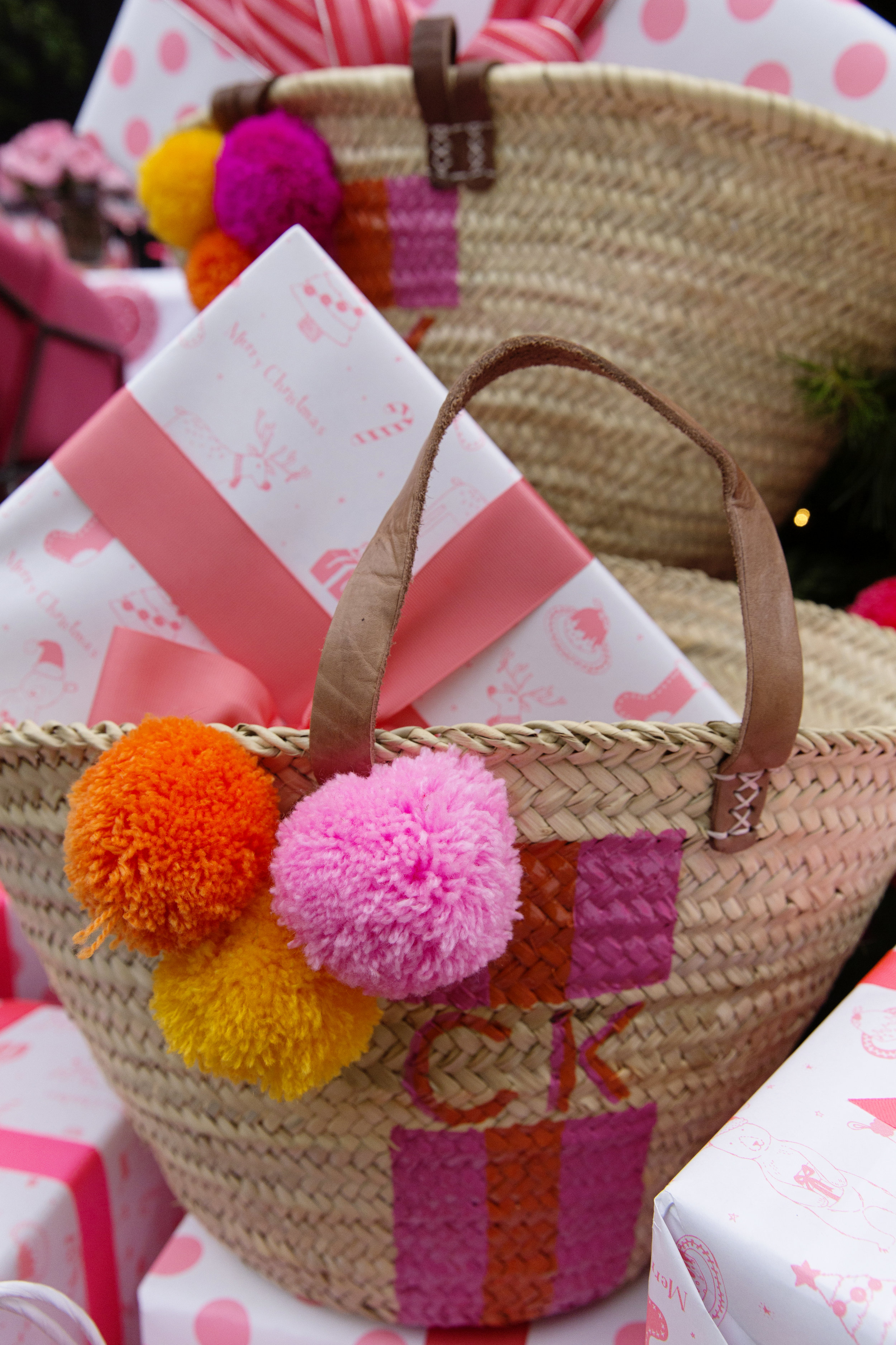 Gift Wrapping 067.JPG