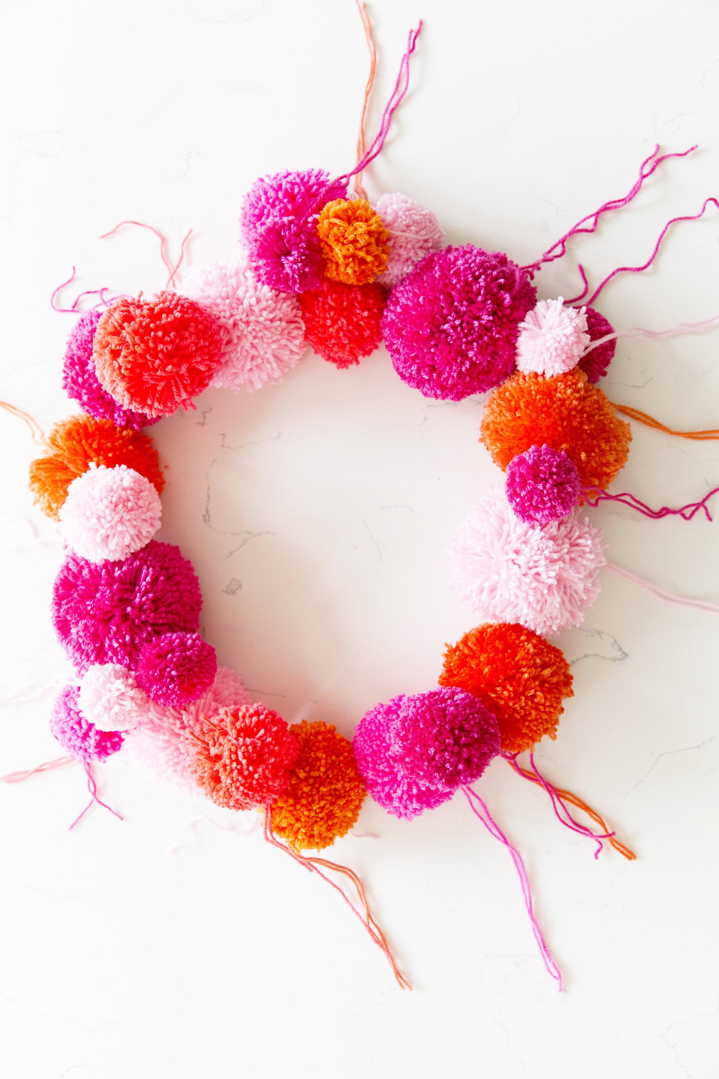 Pom Pom Wreath 006.JPG