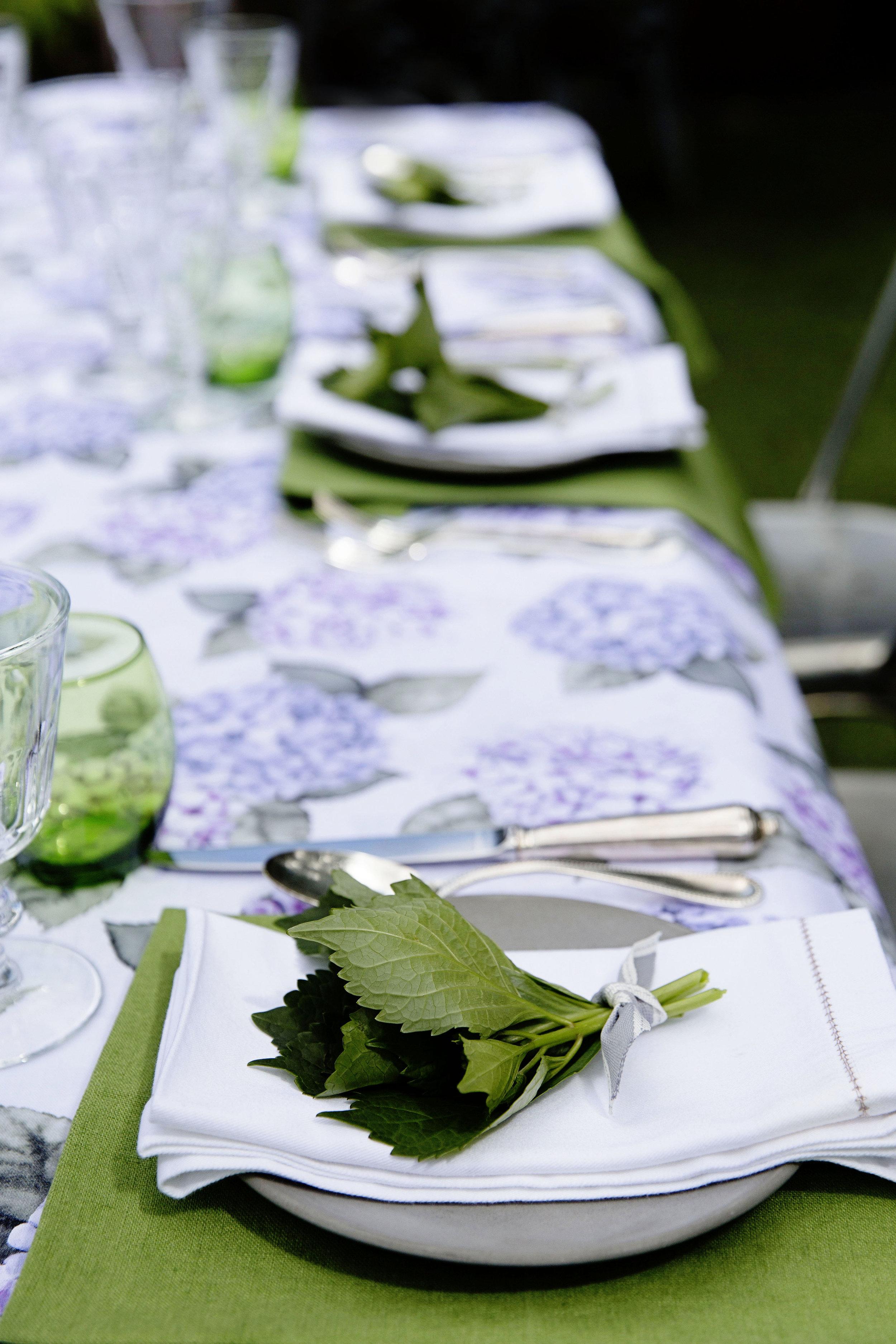 Hydrangea Table 001.JPG