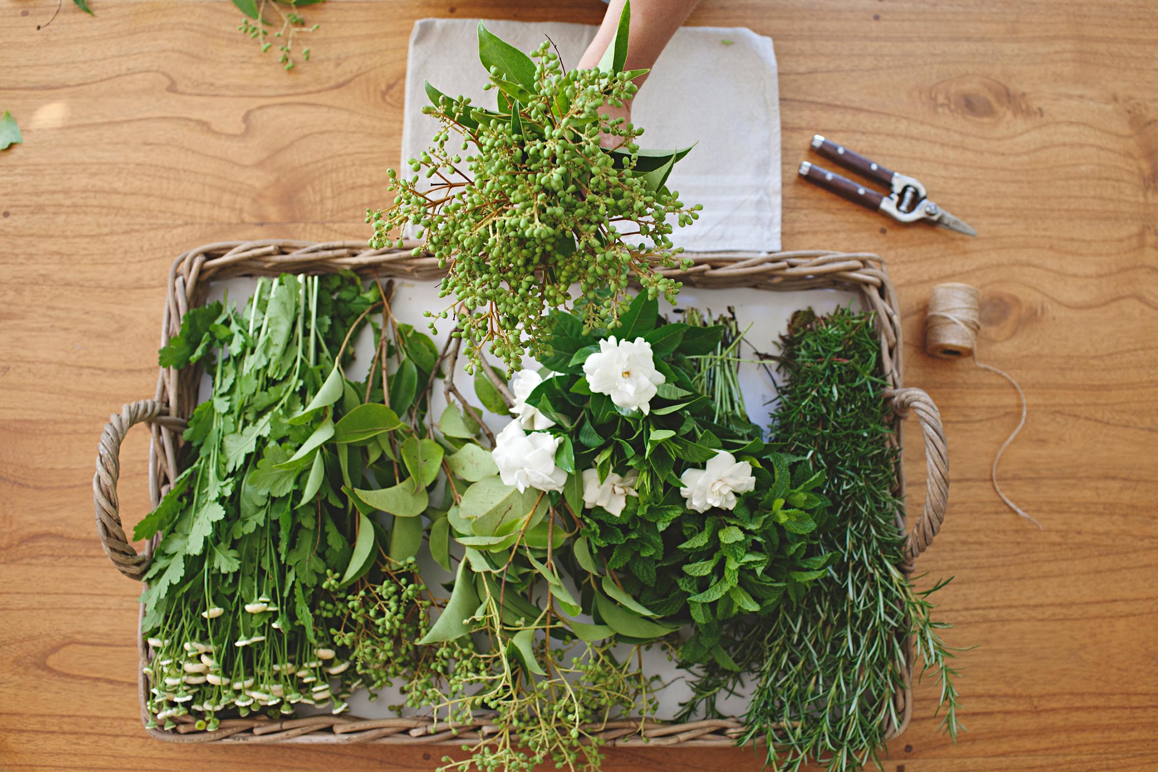 Chyka+Keebaugh+DIY+Garden+Posie.jpg