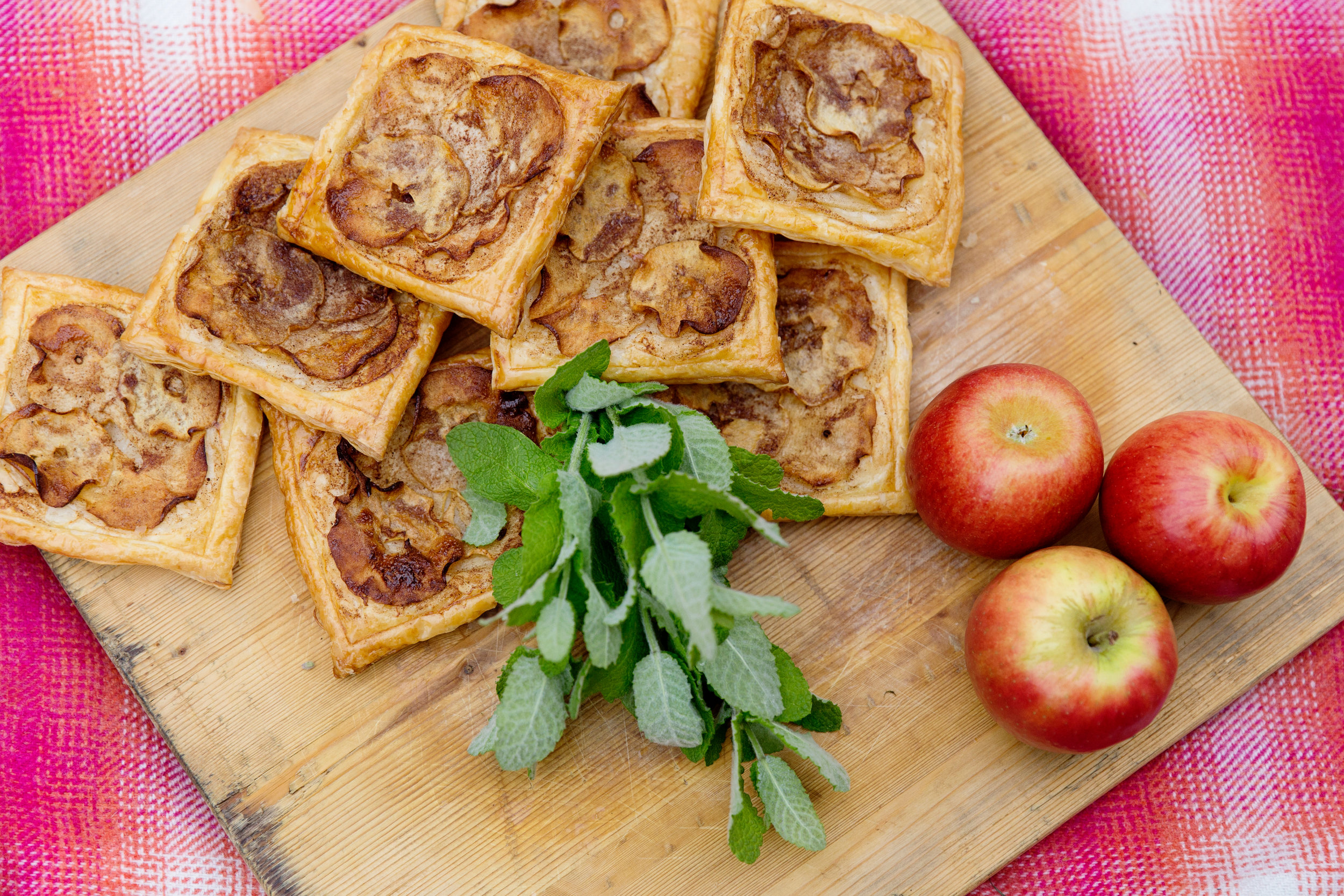 Apple Tarts 004-1.jpg