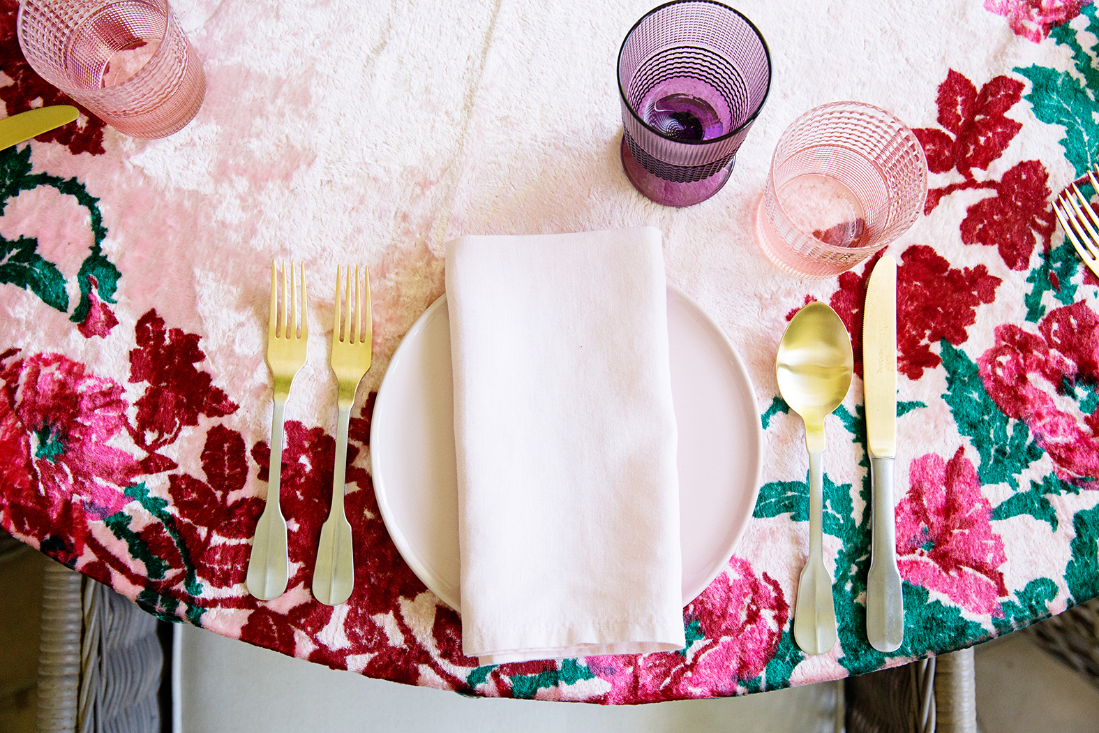Mothers Day Table 009.jpg