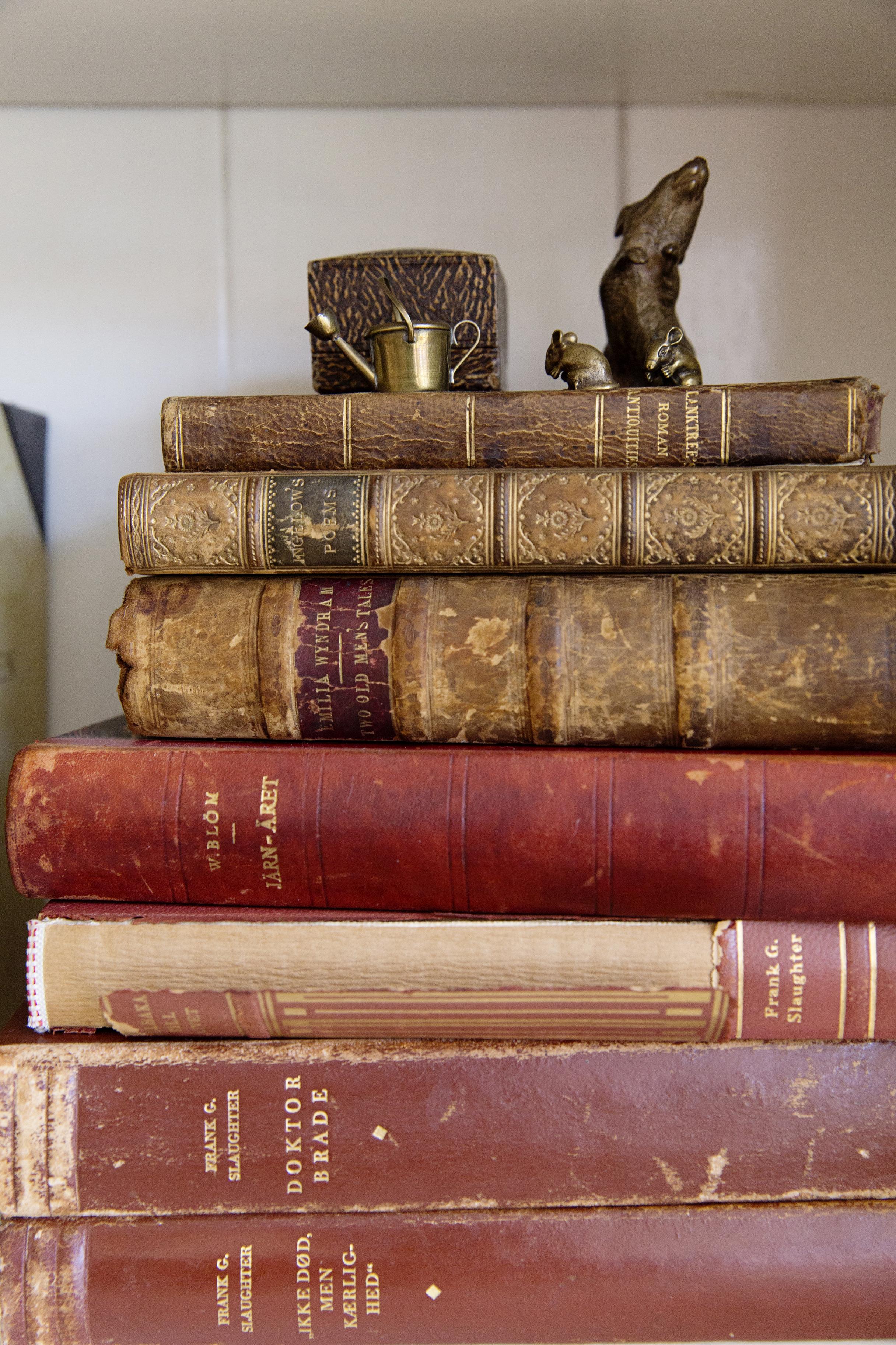 Books  007.jpg