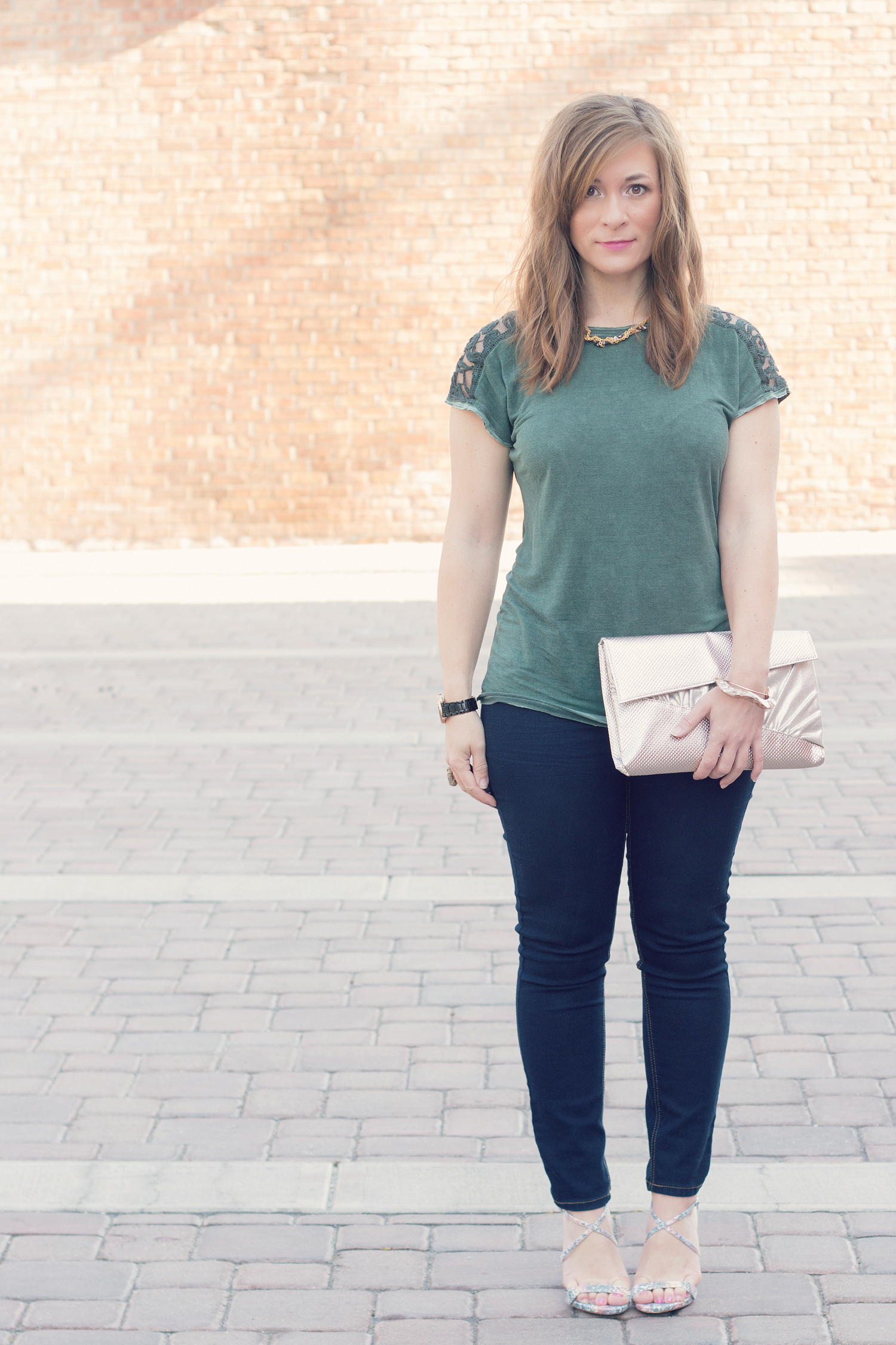 How to Dress up a Women's Tee