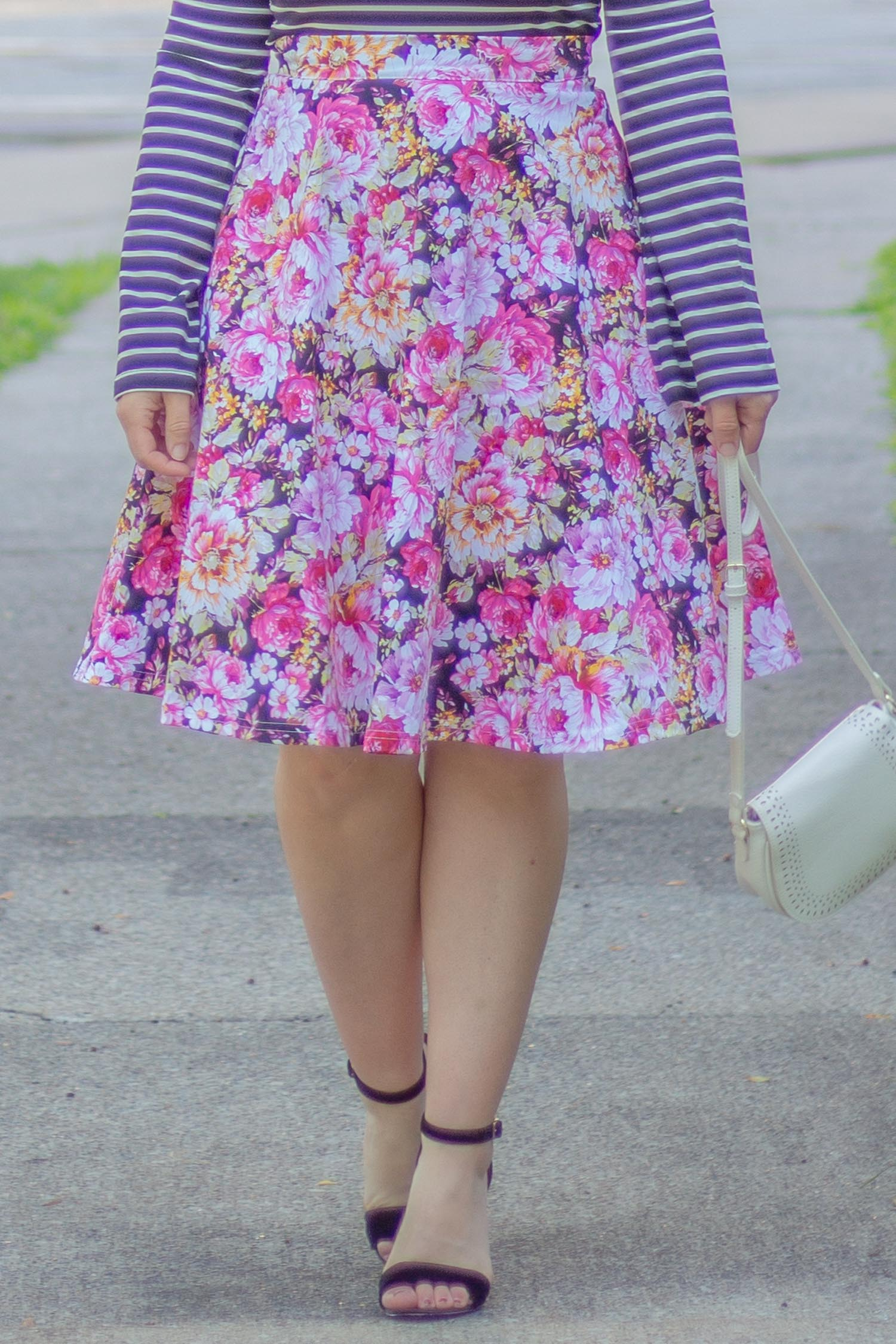 floral-skirt-outfit.jpg