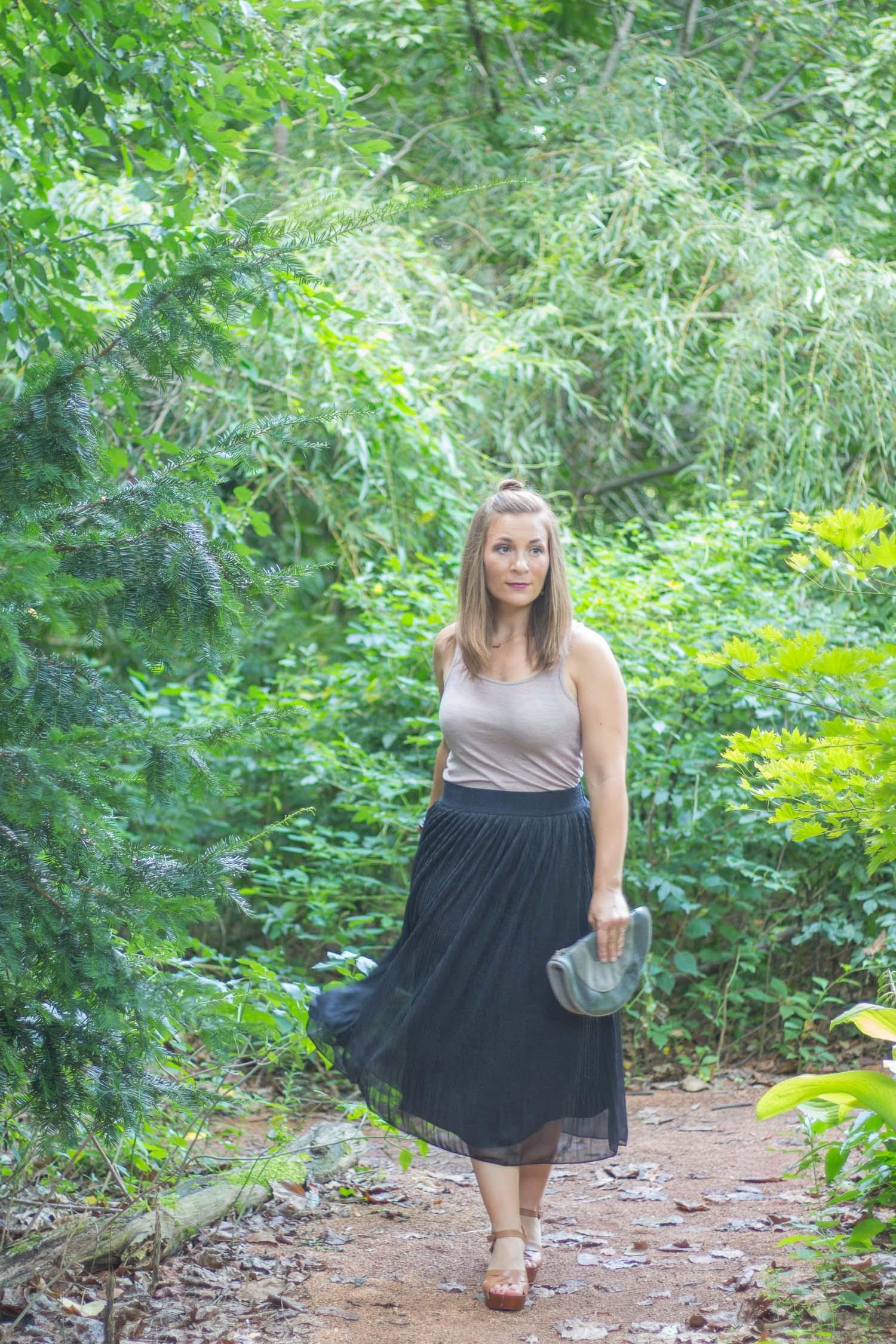 Black-Skirt-Outfit.jpg