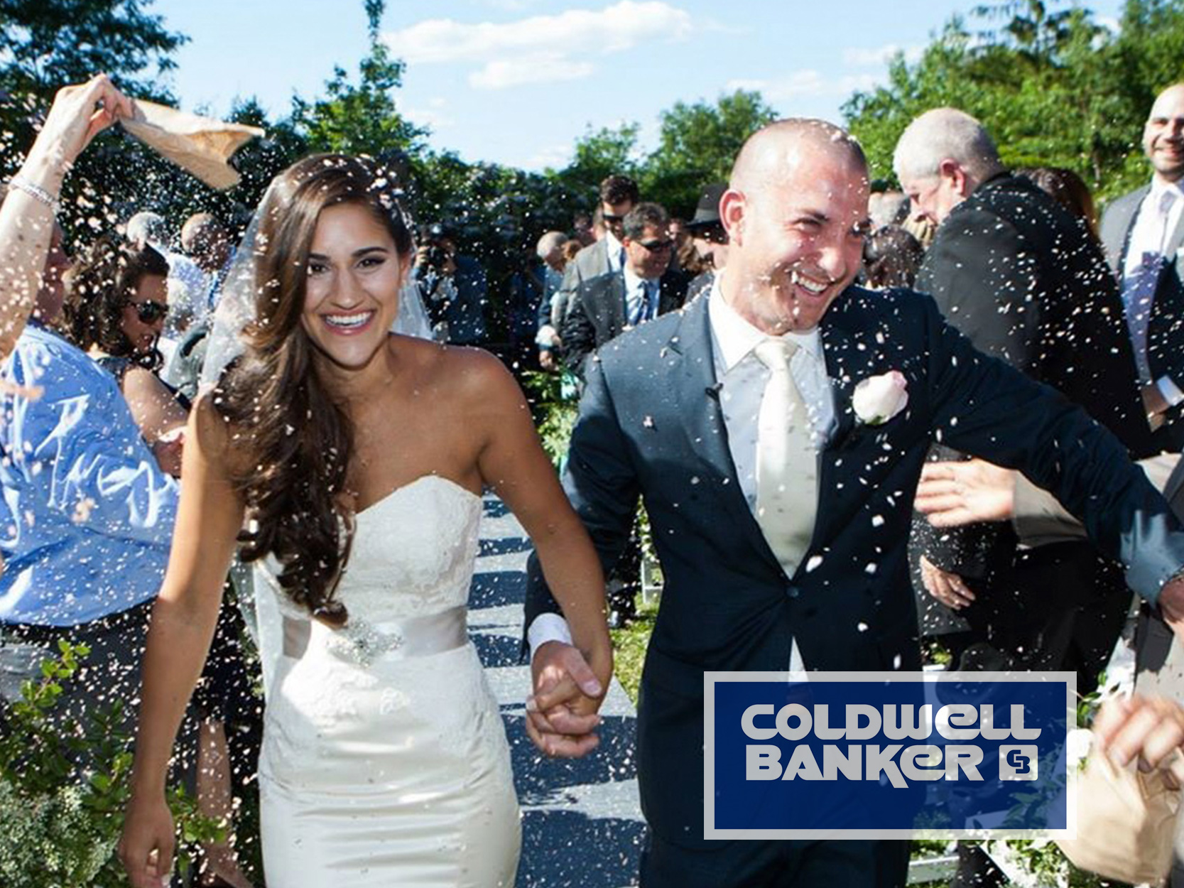COLDWELL BANKER:  AN EXPERT GUILD TO BACKYARD WEDDINGS