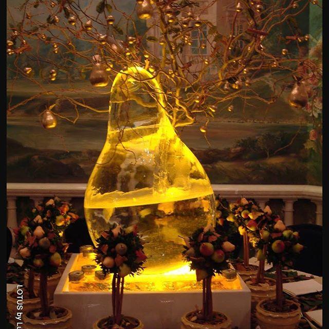 Ice!! • • • • • • #bestflorist #nycfoodie #flowersnyc #nycevents #michelinstar #finedining #nycrestaurants