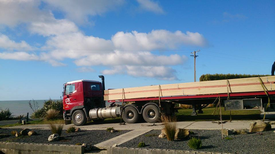 TruckTrusses.jpg