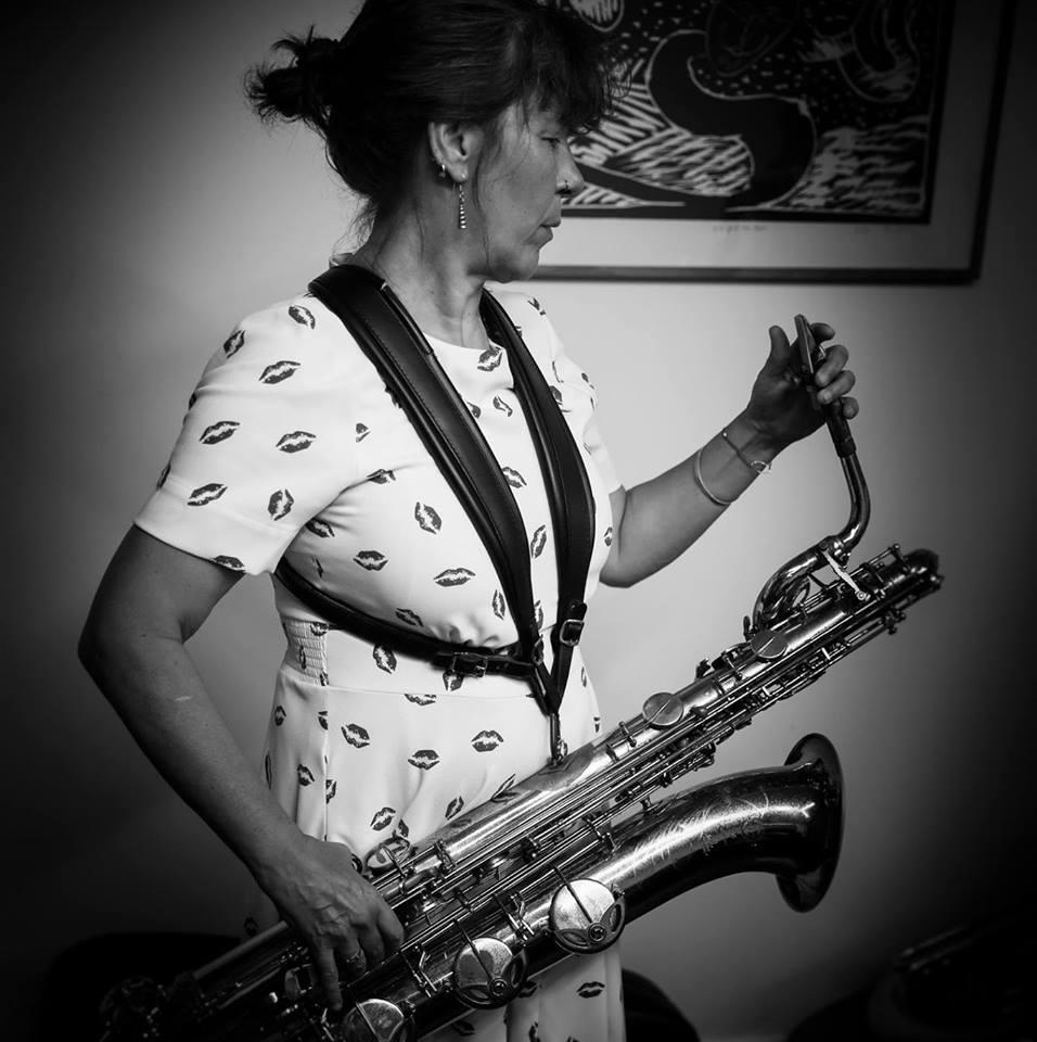 Véronique Delmelle: alt, bariton, sopranino sax