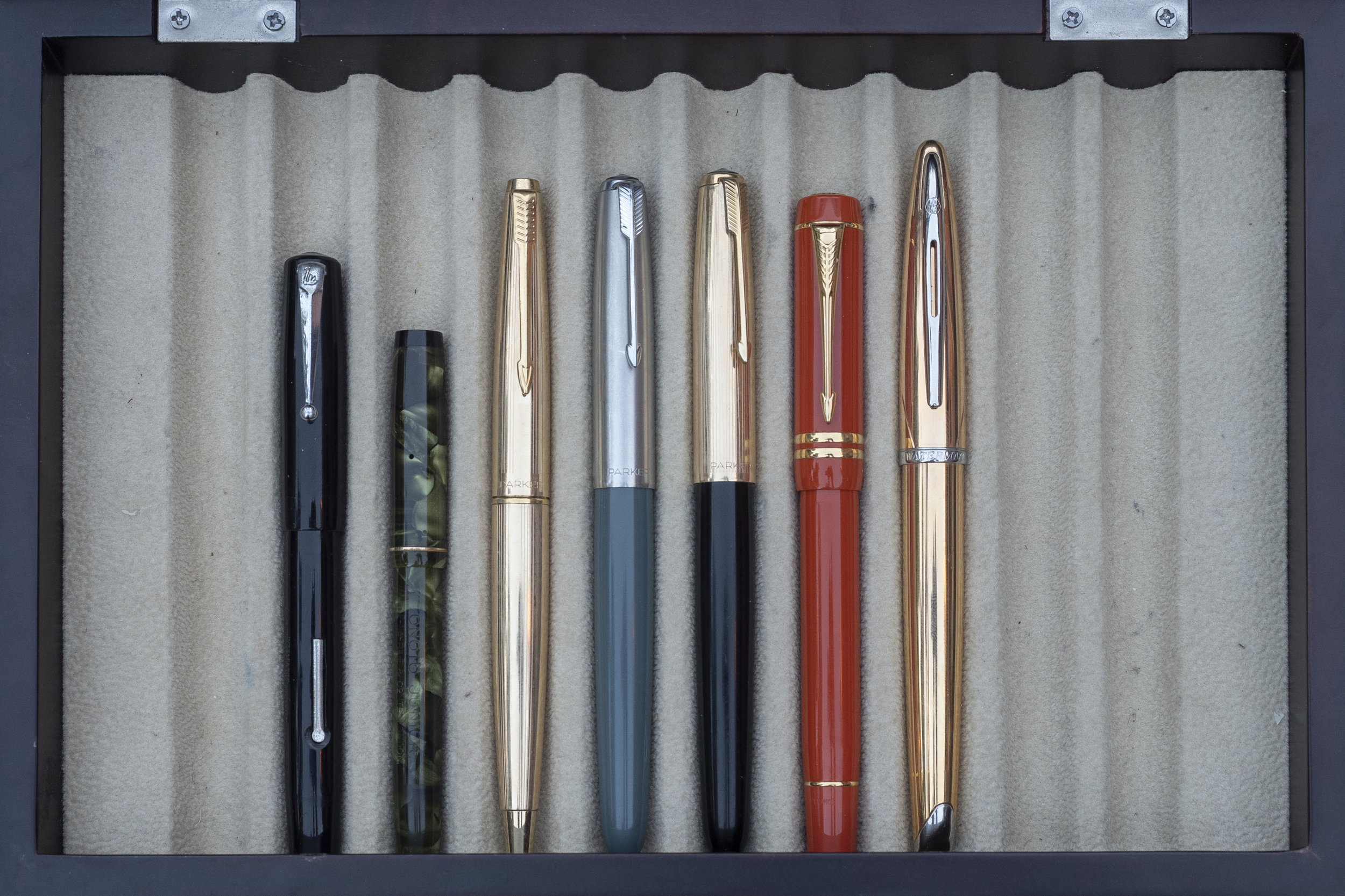 English and French Pens