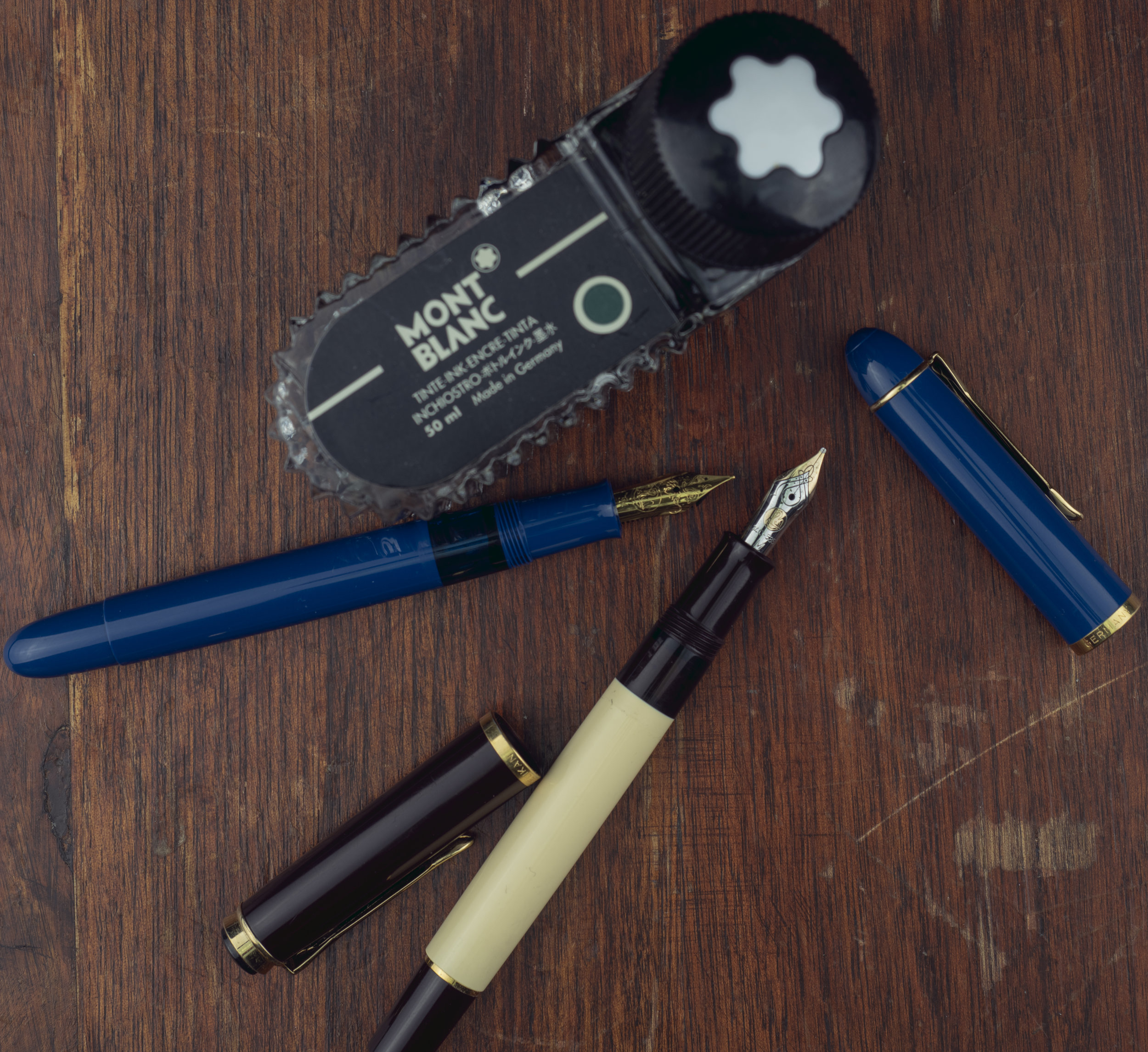 Pelikan M120 Iconic Blue with steel medium & Pelikan M200 Café Crème with M400 gold medium