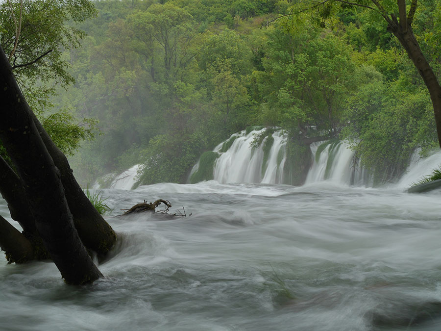 Kravice-Waterfalls-1.jpg