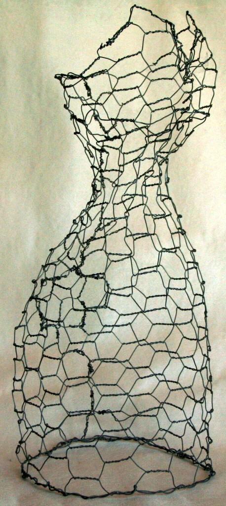 chicken wire dress form 2.jpg