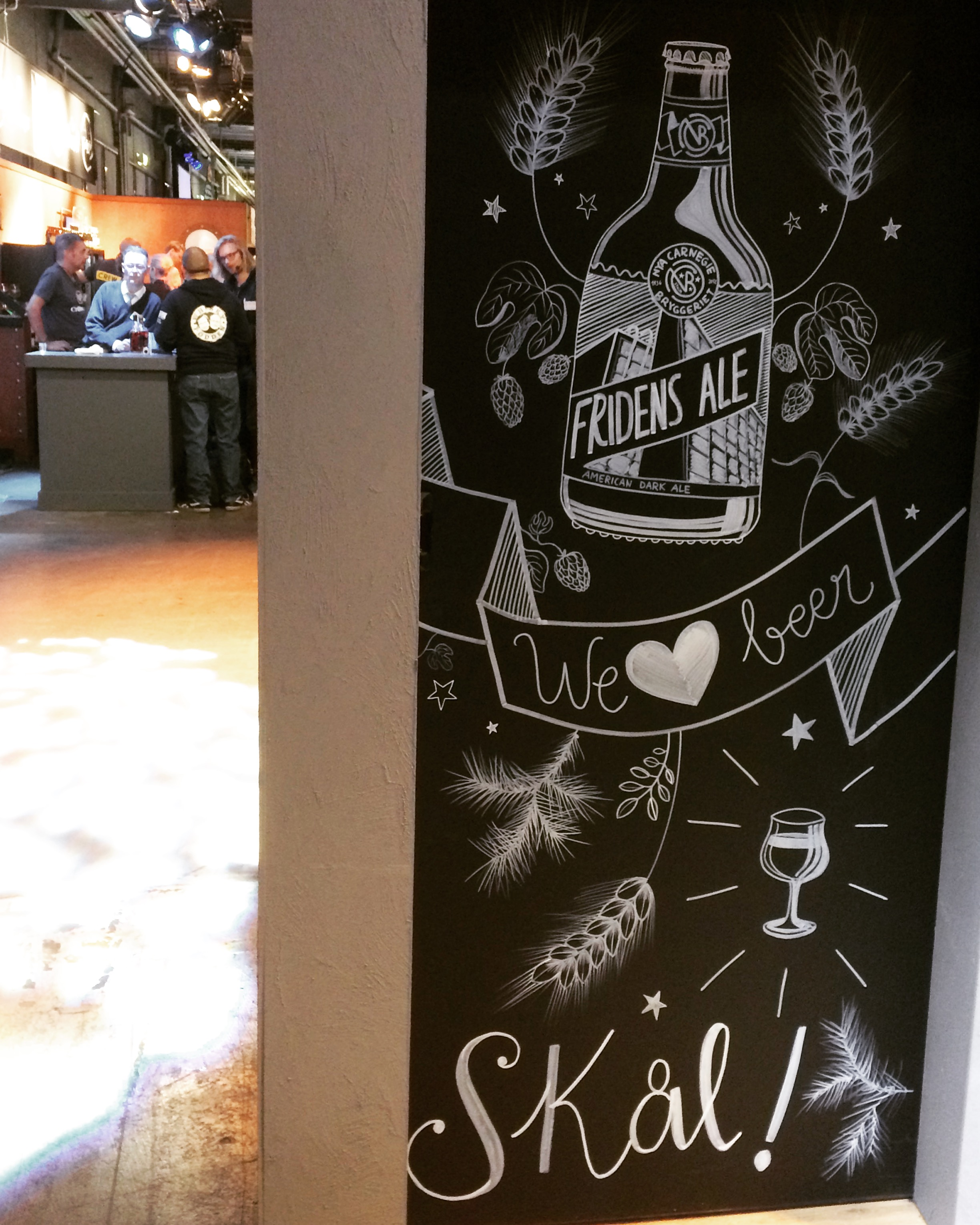 LIVE PAINTING by MARIVILLA at Stockholm Beer and Whisky Festival       .JPG