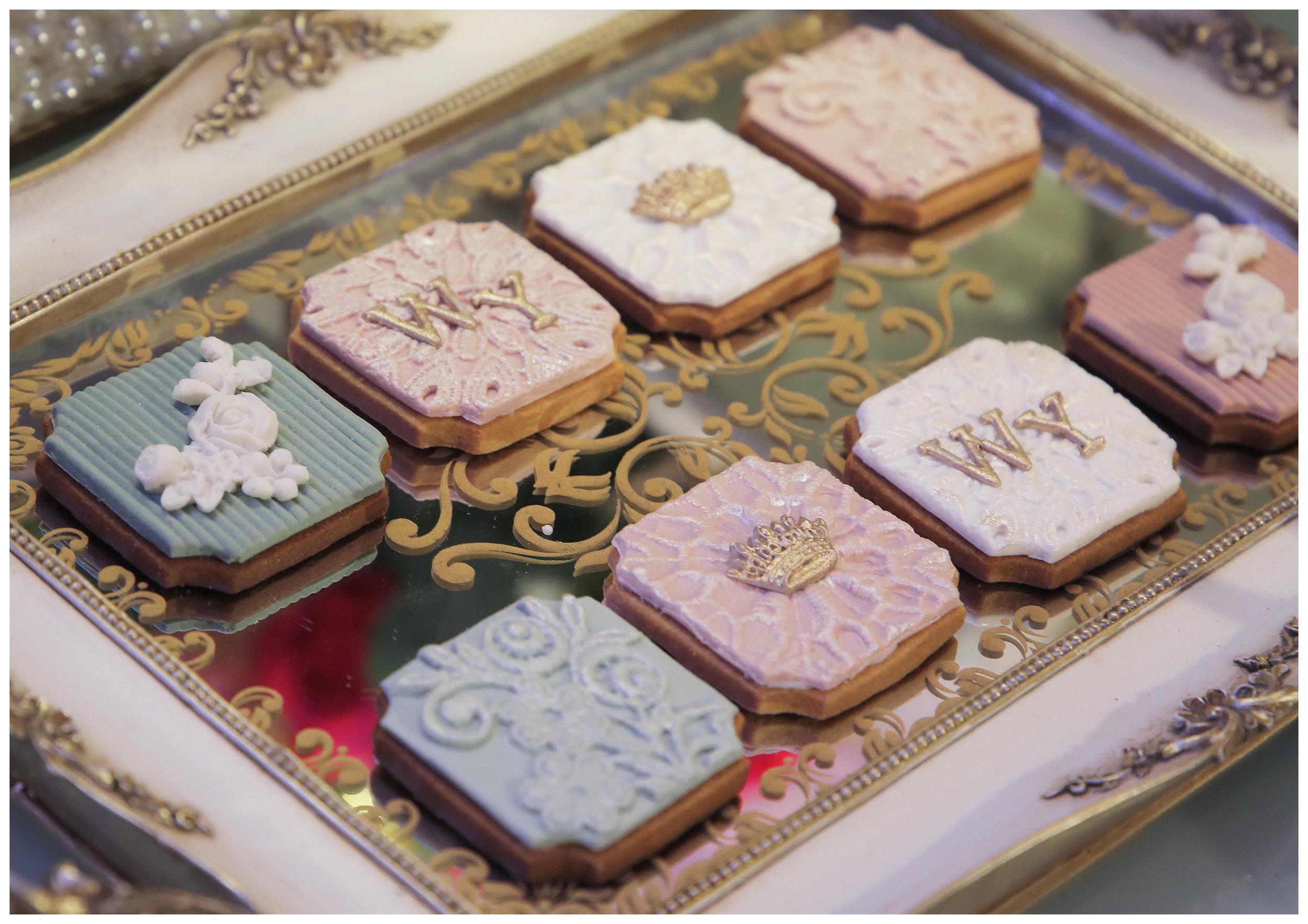 Vintage Cookie Set.jpg
