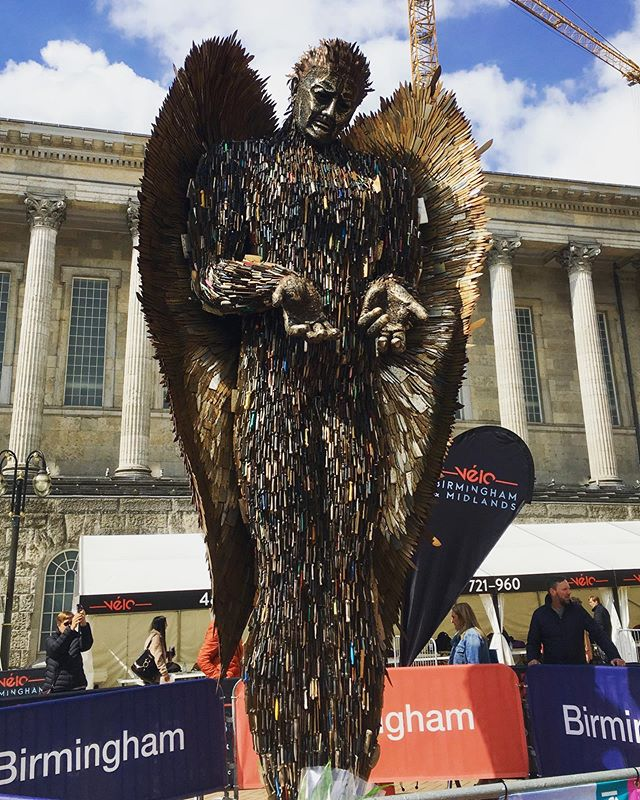 Another fab morning of touring around our great city ft. The Knife Angel sculpture, which will be in Victoria Square until June 5th #realbrum #brumisbrill #visitbirmingham #gasstreetbasin #canals #nomoreknives #knifeangel #birmingham #brum