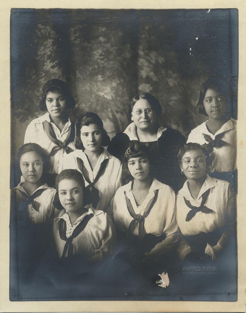Hilda M. Nasmyth with Students.jpg