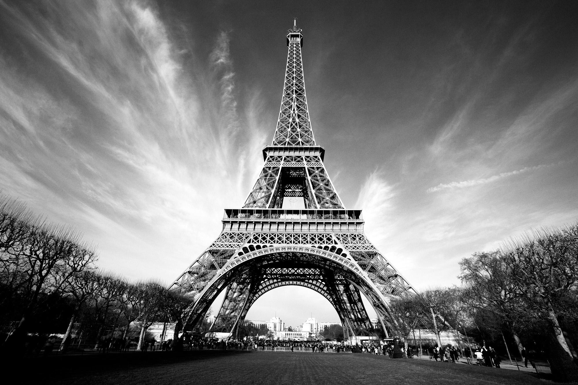 La_Tour_Paris.jpg