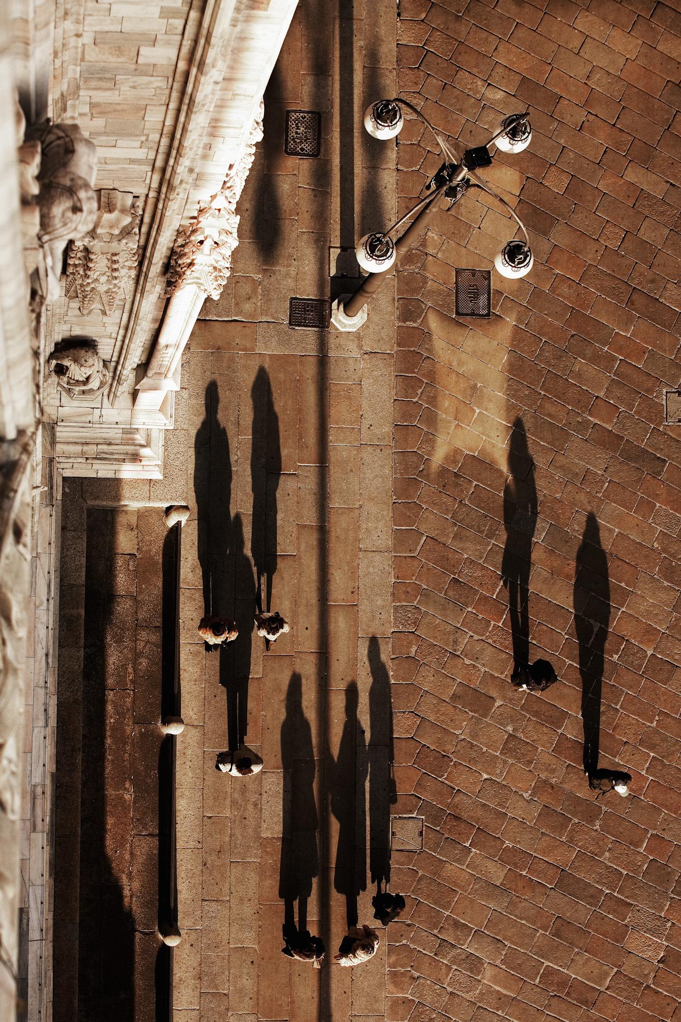 Piazza_del_Duomo_Milan.jpg