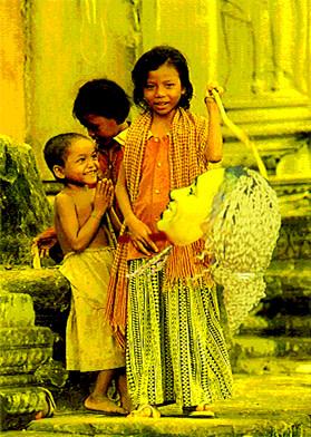 picture6_golden_girl_2000_fivitm.jpg