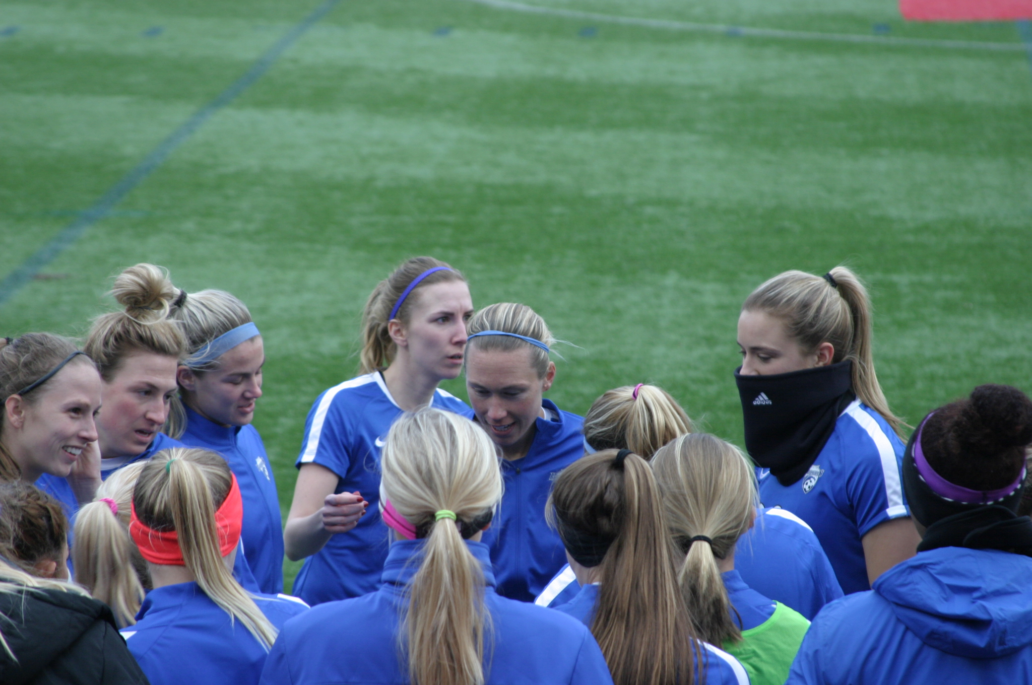 USWNT Defender Whitney Engen assembles the team before the opening whistle.