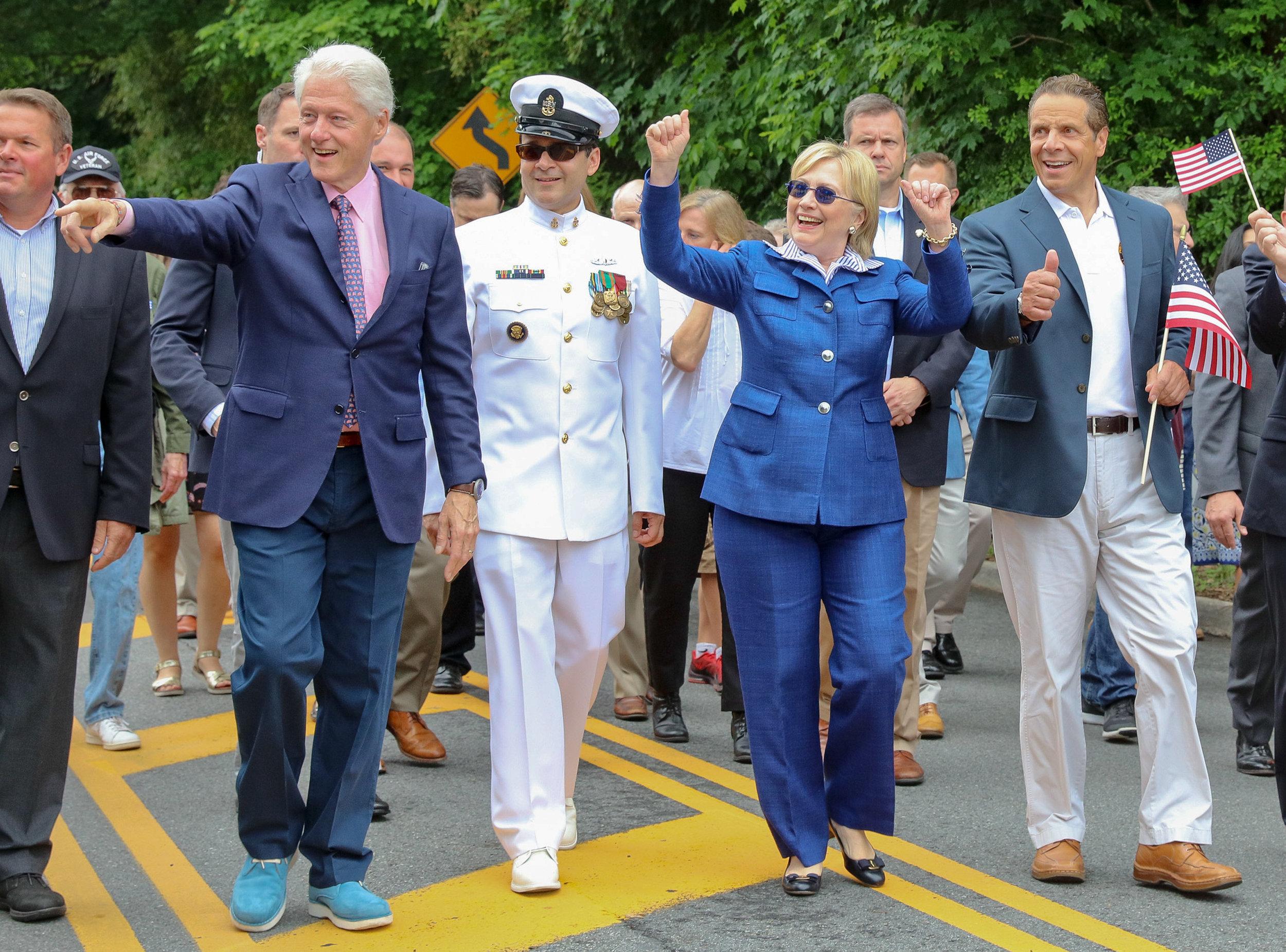 Memorial_parade_Clintons-11.jpg