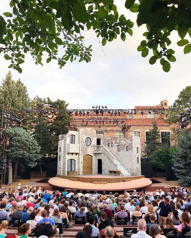 Summer was made for Shakespeare under the stars. @danasabato and @baileyjeanrob and I absolutely adored seeing Romeo and Juliet in the Colorado Shakespeare Festival last week at this gorgeous outdoor theatre in Boulder!⁣⁣ ⁣⁣ @coshakes @cupresents #ColoradoShakespeareFestival #csf2019 #coshakes